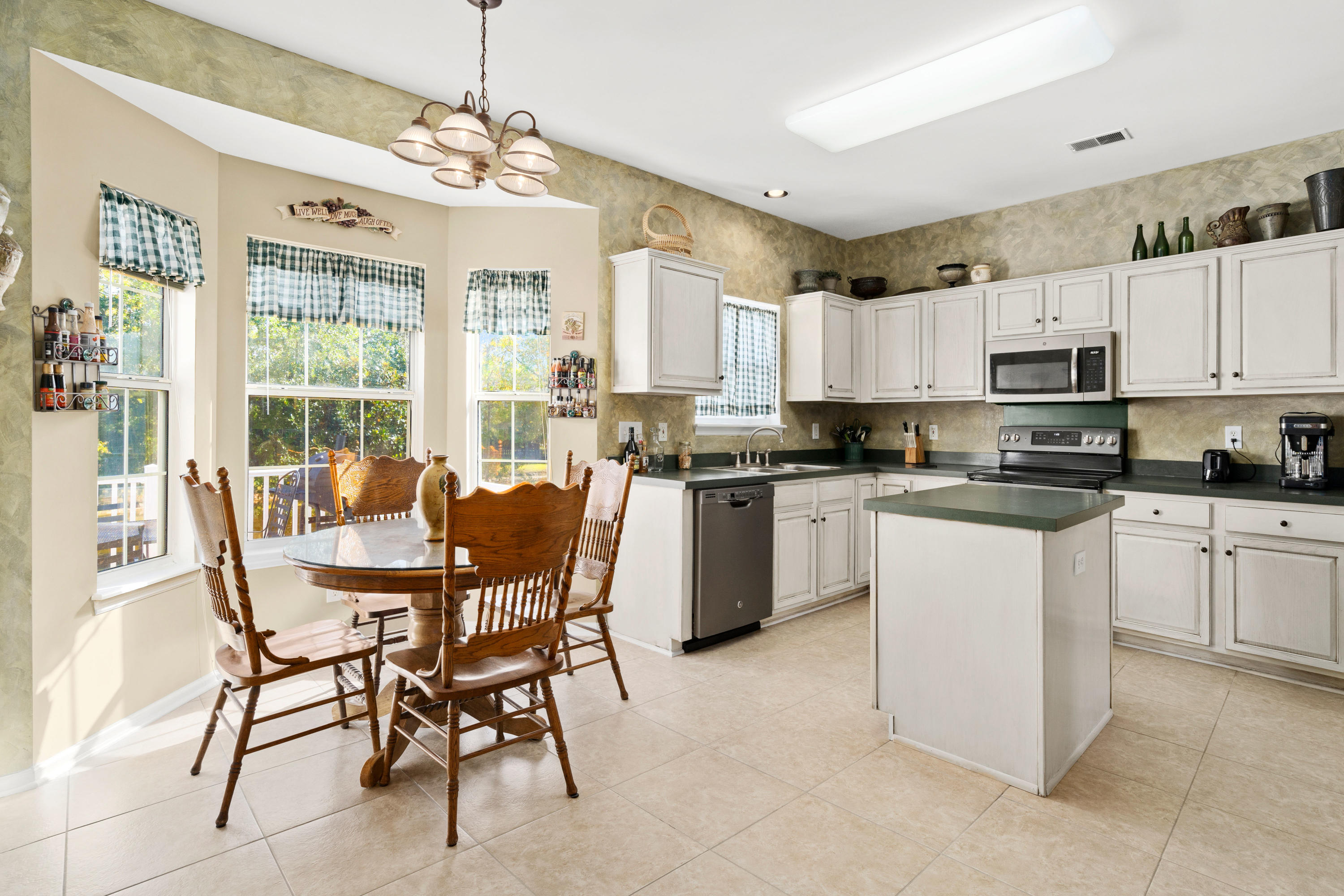 Rivertowne Country Club Homes For Sale - 1821 Great Hope, Mount Pleasant, SC - 13