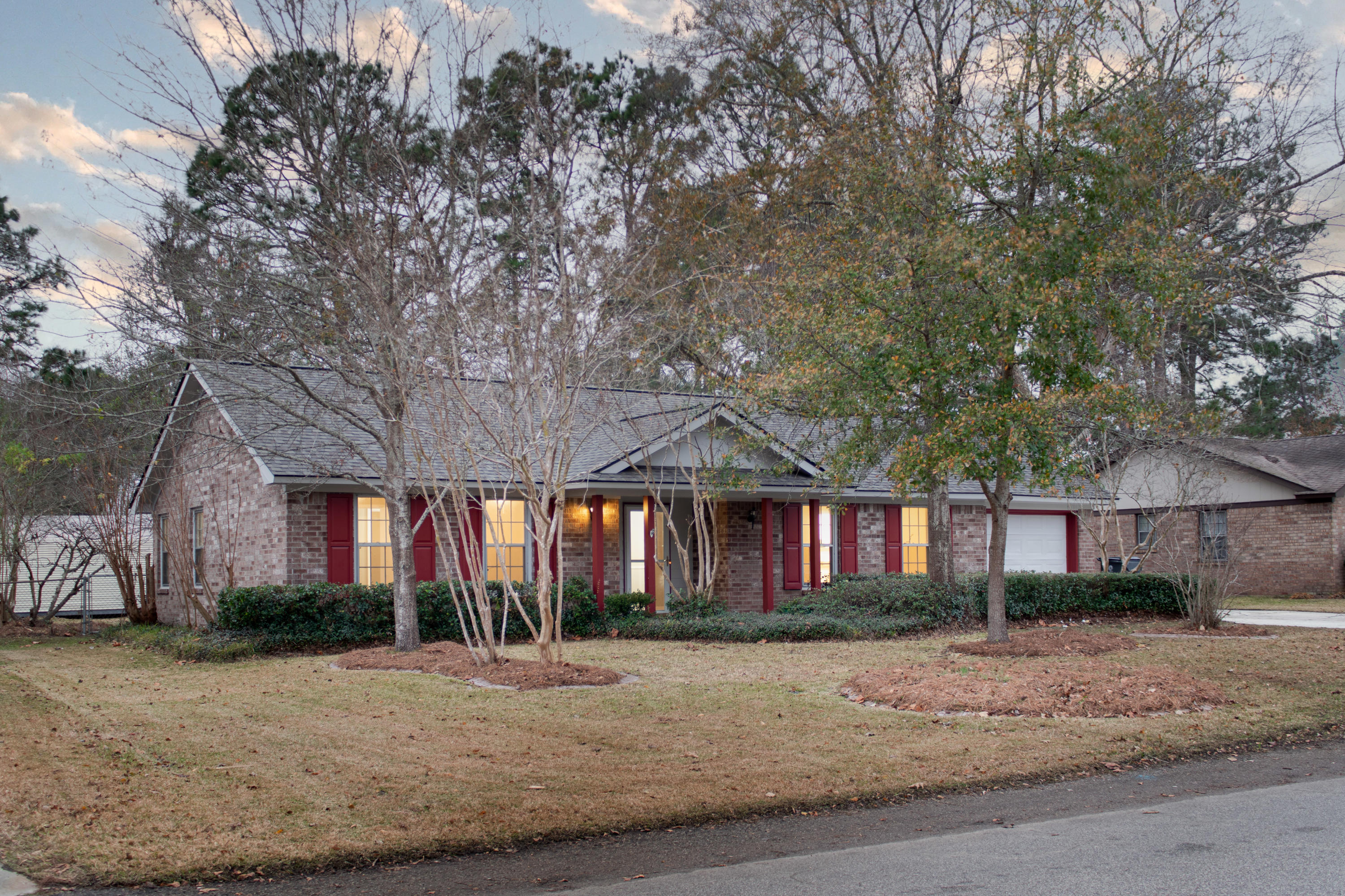 304 Longleaf Road Summerville, SC 29486