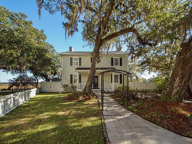2109 Virginia Oak Court Charleston, SC 29414