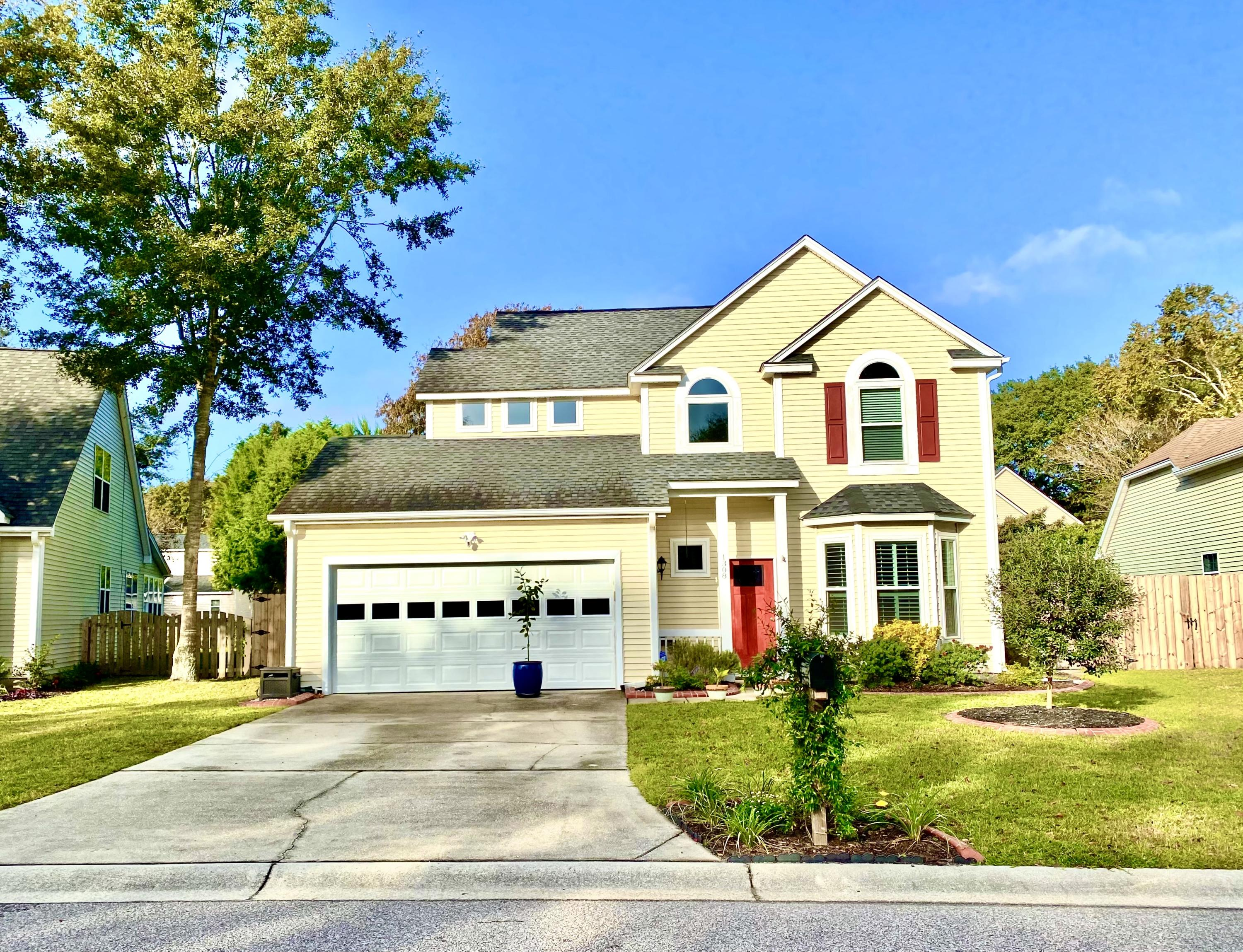 1308 Battery Hill Court Mount Pleasant, SC 29466