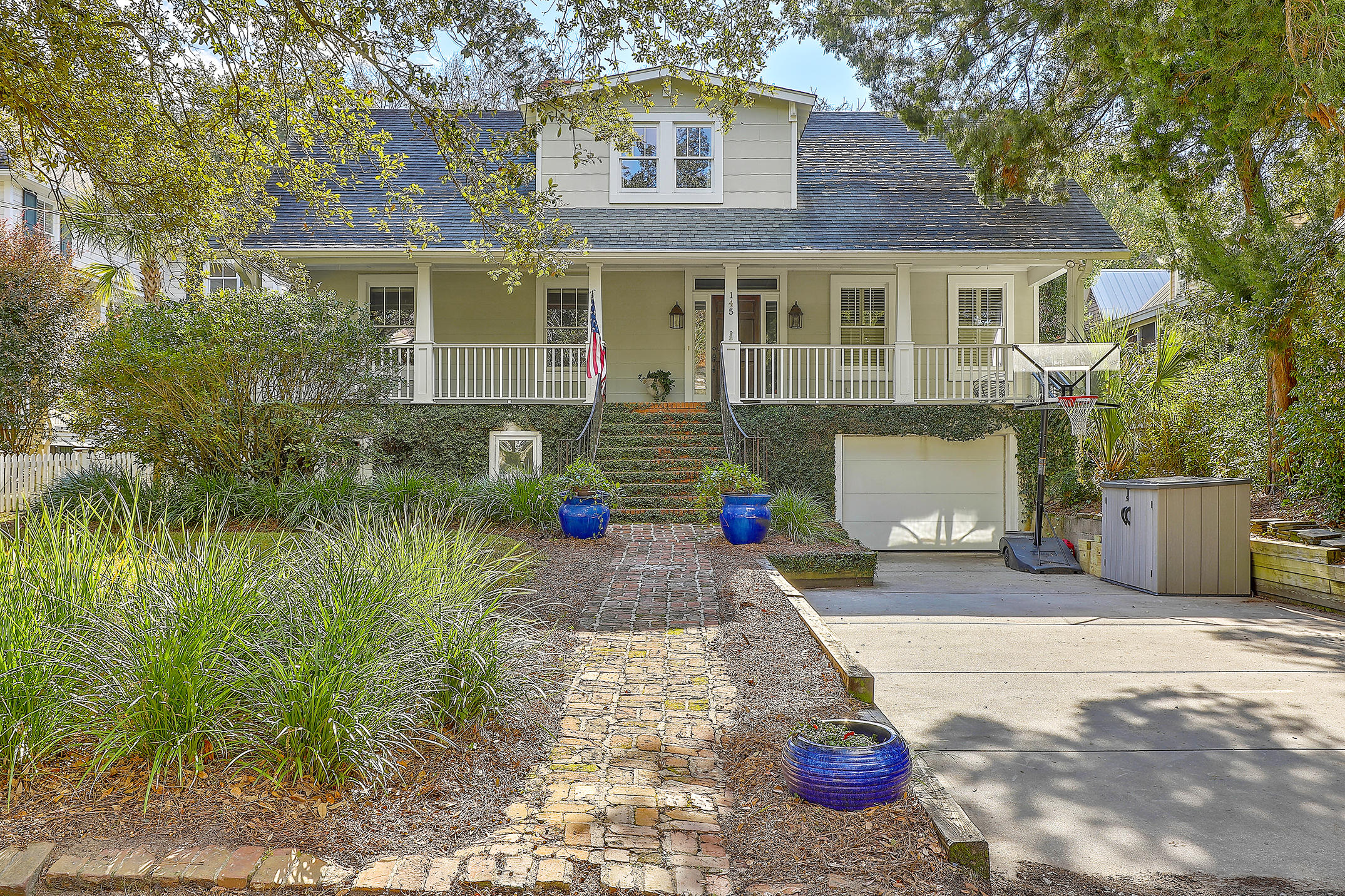 145 Live Oak Drive Mount Pleasant, SC 29464
