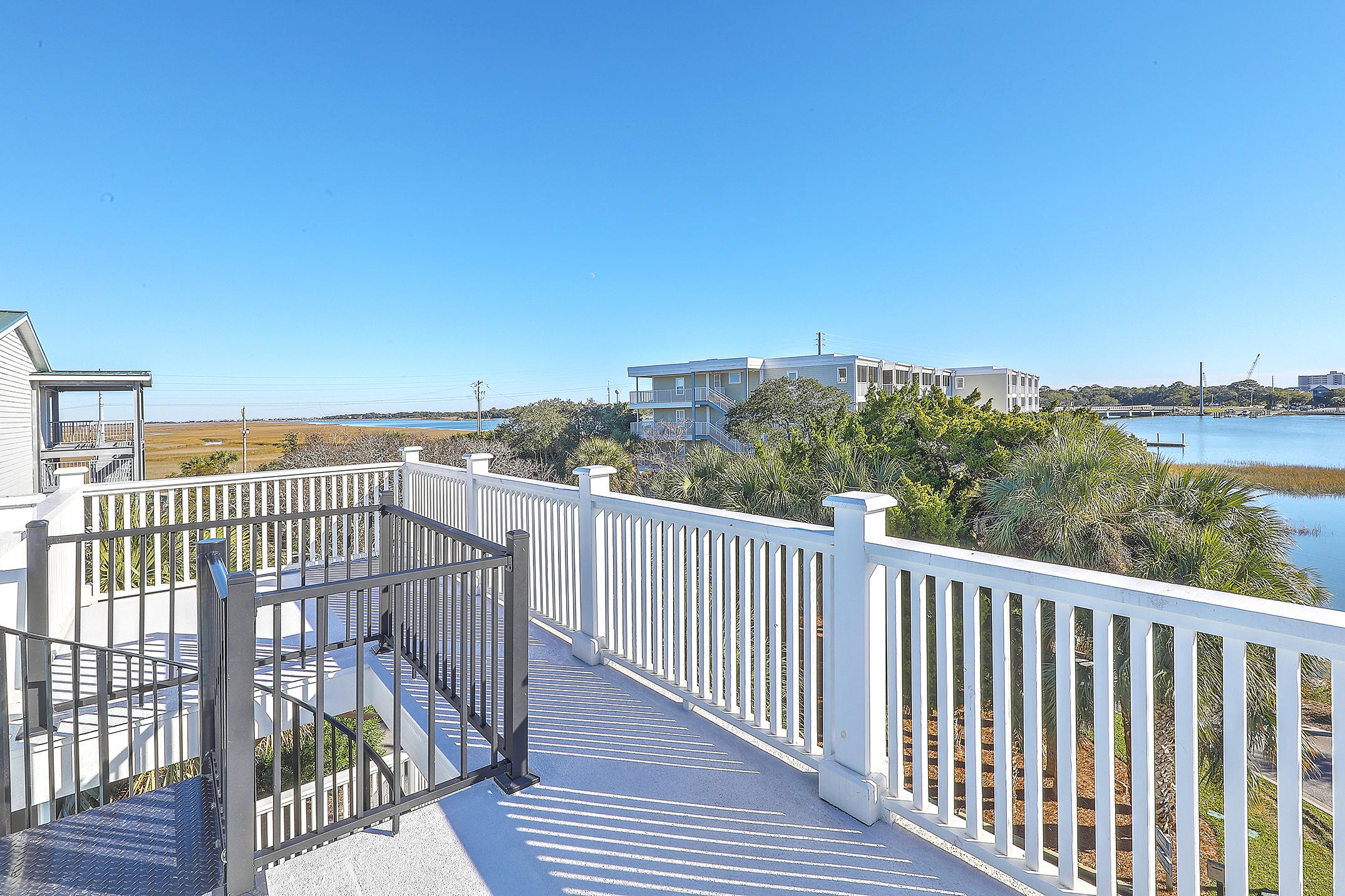 Mariners Cay Homes For Sale - 1002 Mariners Cay, Folly Beach, SC - 9