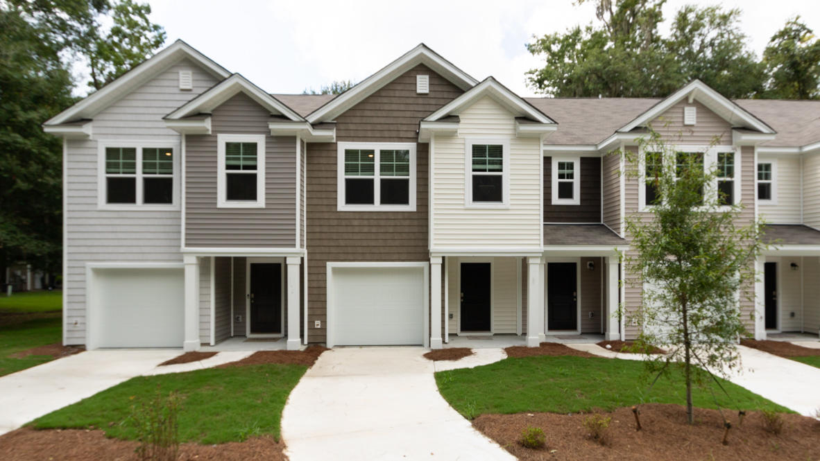 4698 Palm View Circle North Charleston, SC 29418