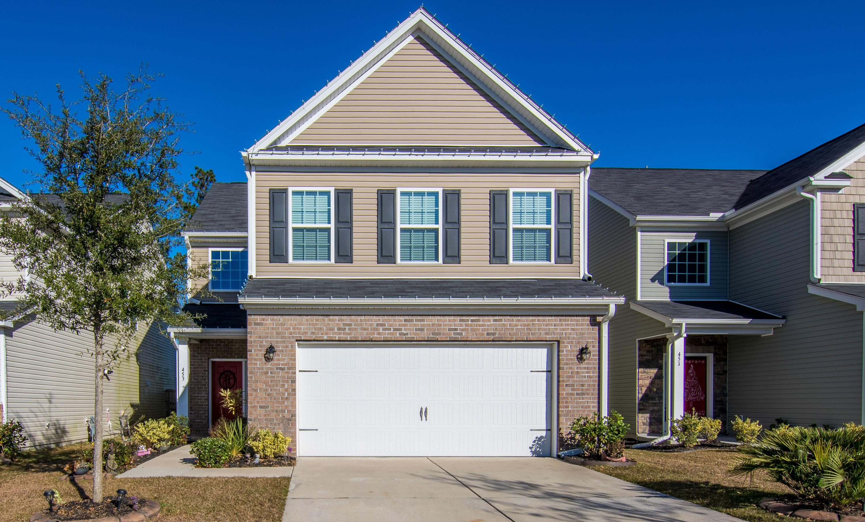 453 Whispering Breeze Lane, Summerville,  29486