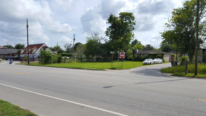 2411 Spruill Avenue North Charleston, SC 29405