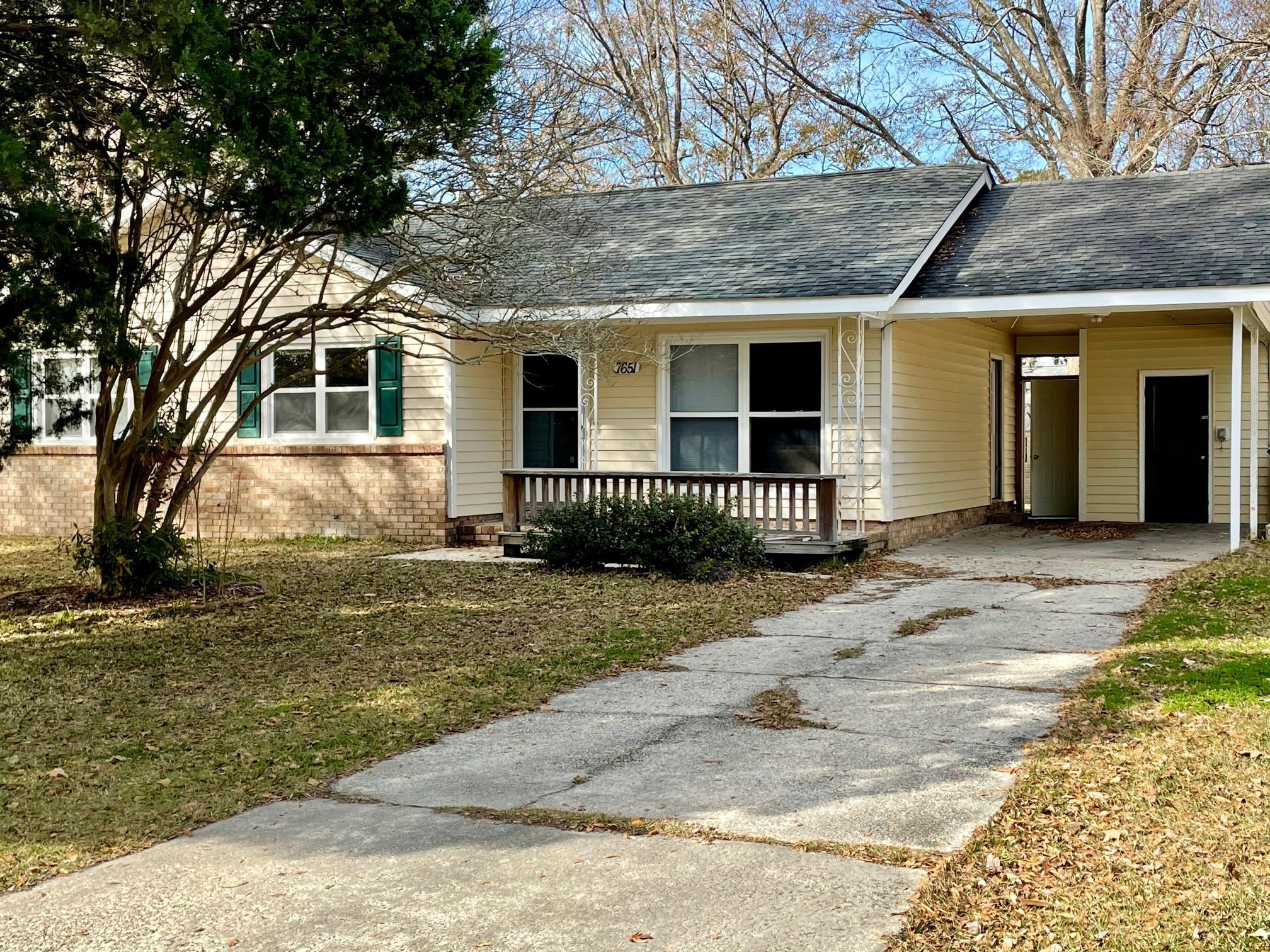 7651 Hillview Lane North Charleston, SC 29420