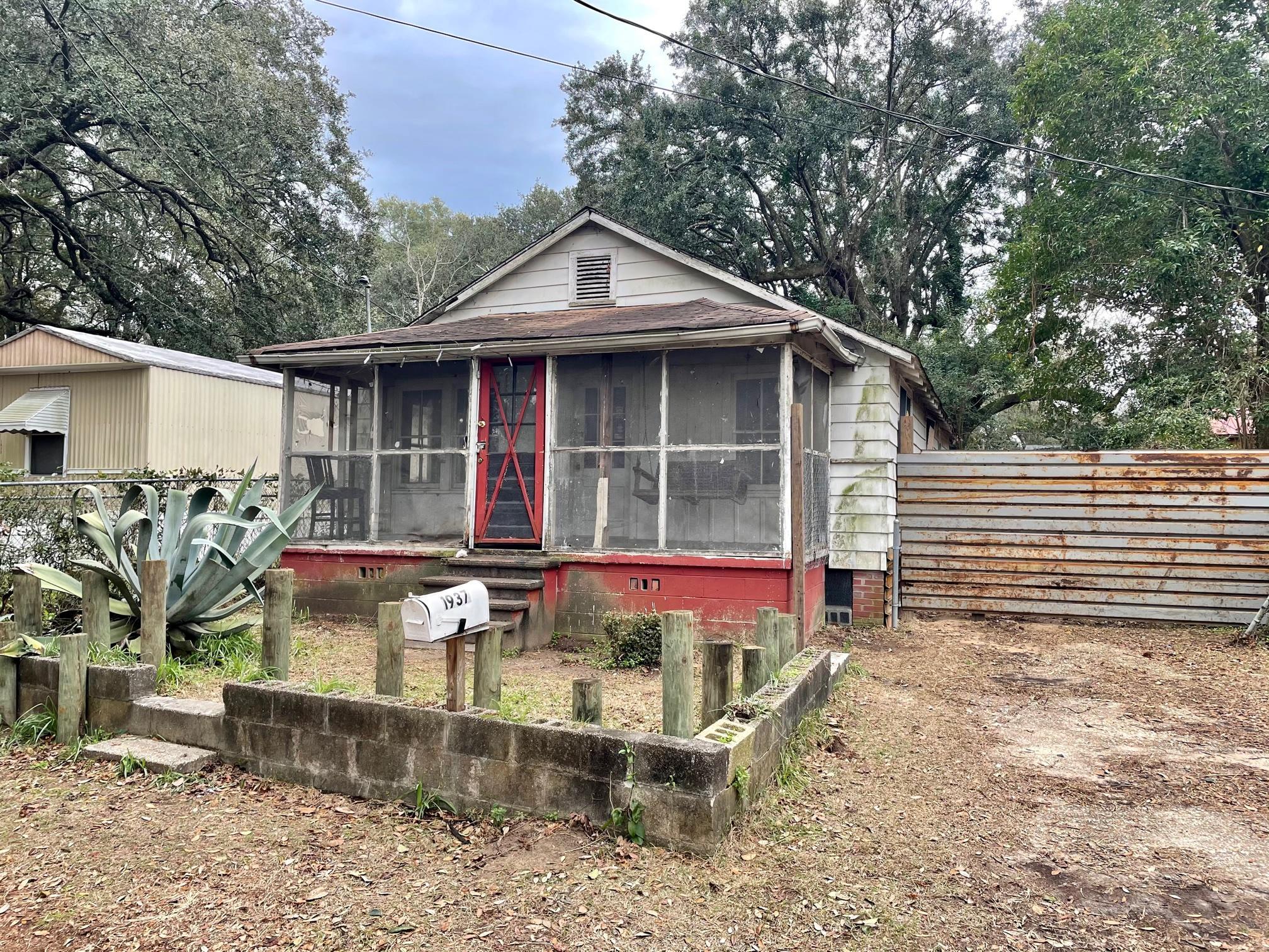 1937 Cornwell Avenue North Charleston, SC 29405