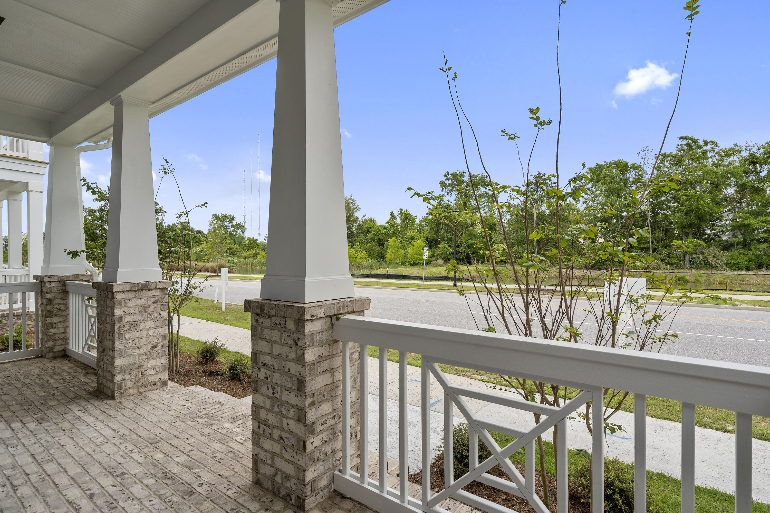 Midtown Homes For Sale - 1338 Readers, Mount Pleasant, SC - 2