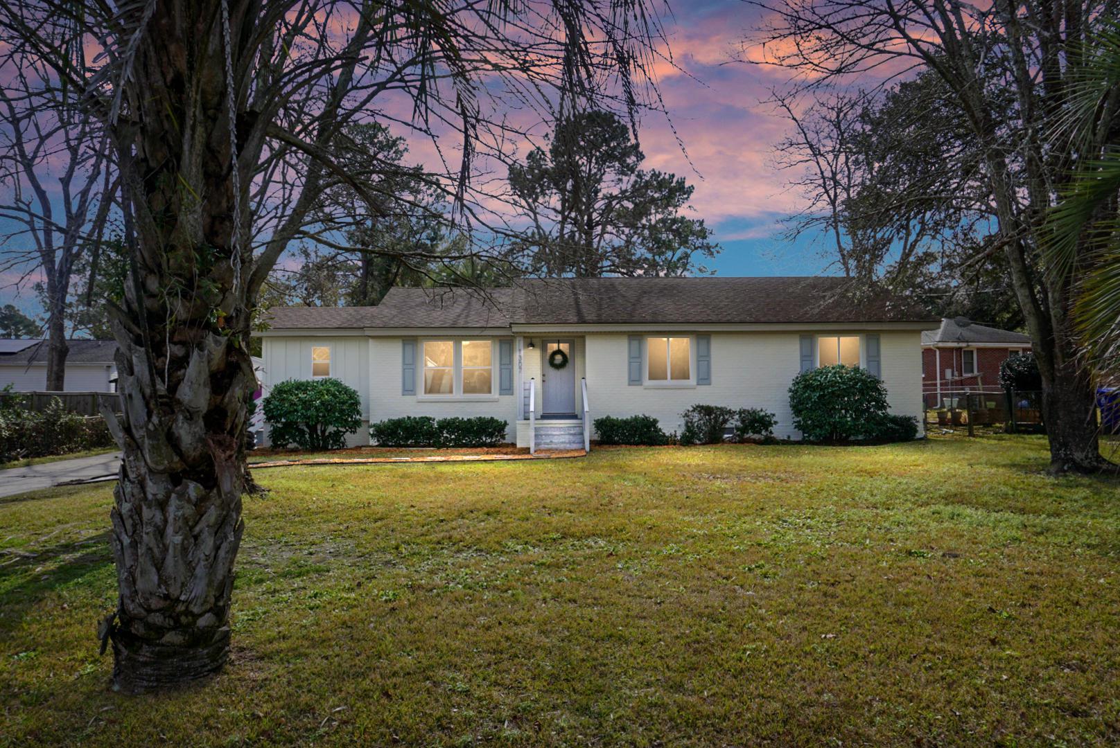 1307 N Sherwood Drive Charleston, SC 29407