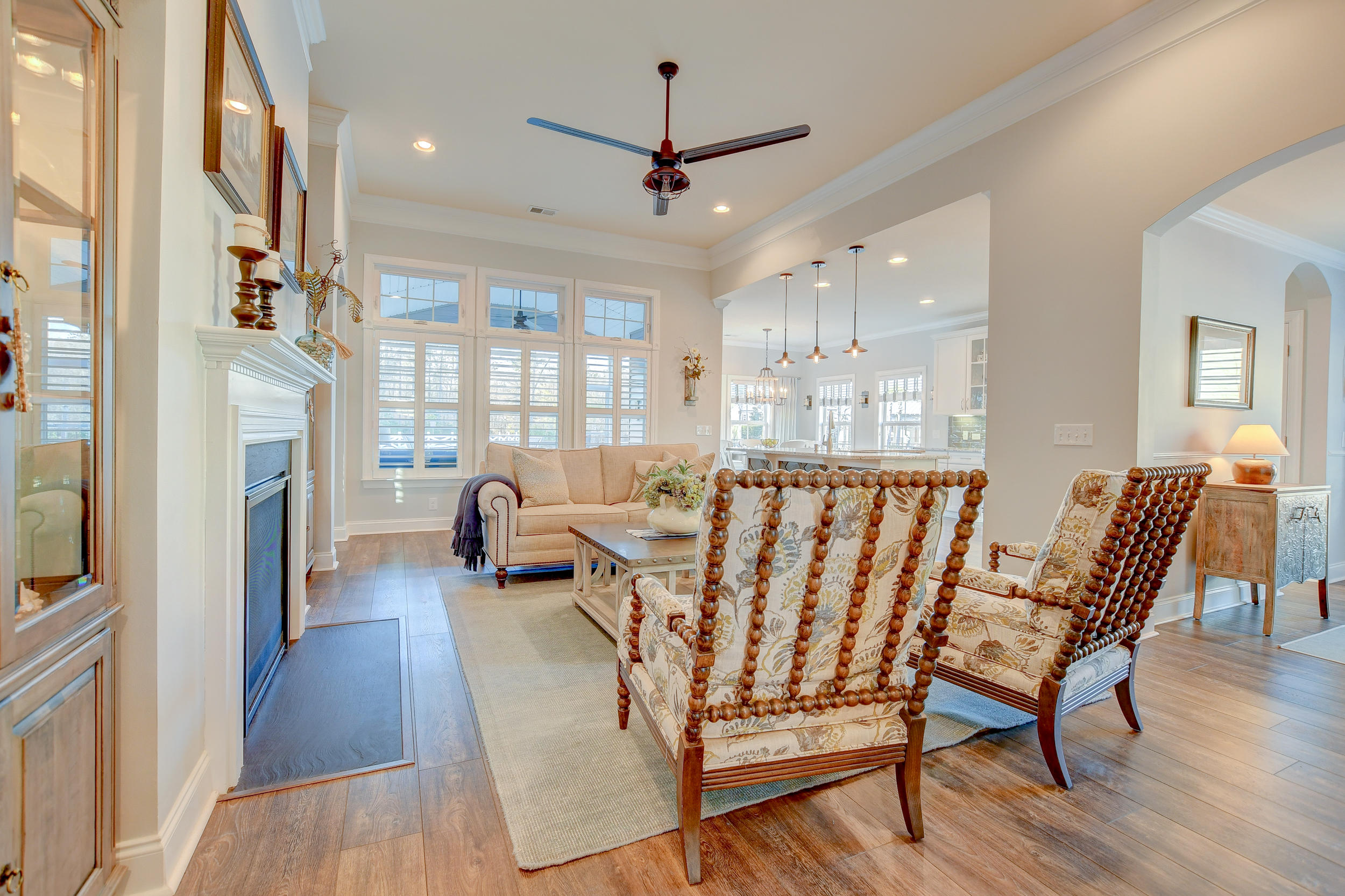 Tupelo Plantation Homes For Sale - 1039 Banker, Mount Pleasant, SC - 29