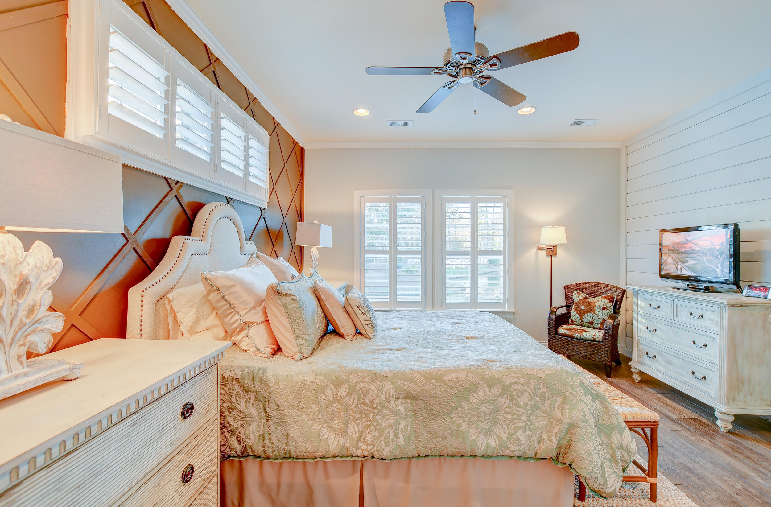 Tupelo Plantation Homes For Sale - 1039 Banker, Mount Pleasant, SC - 18