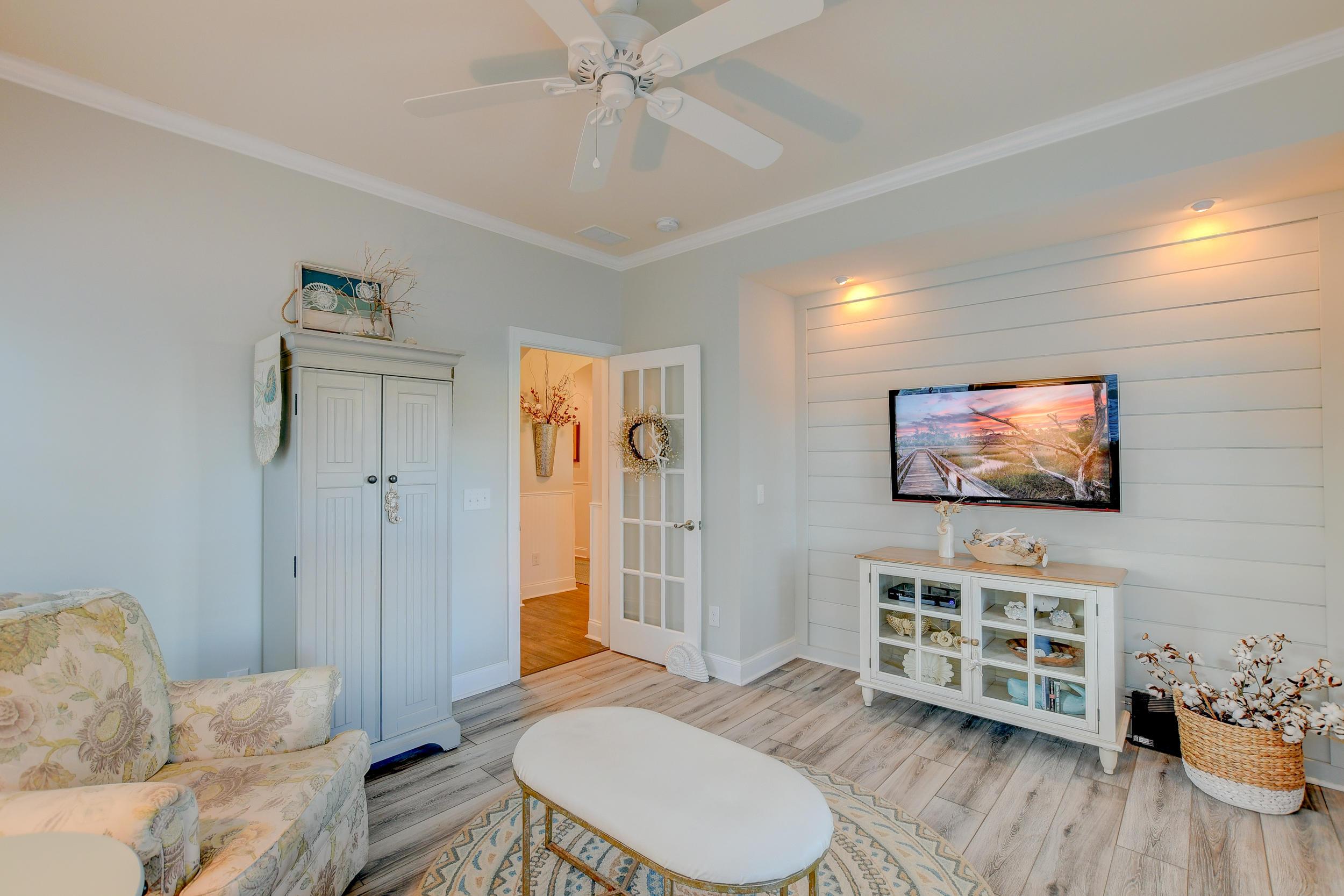 Tupelo Plantation Homes For Sale - 1039 Banker, Mount Pleasant, SC - 5