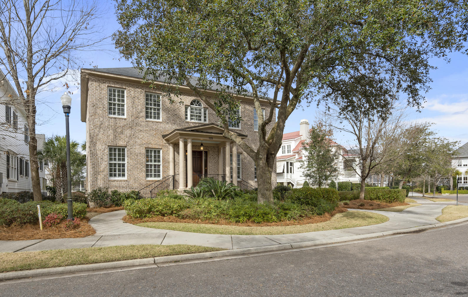 135 King George Street Charleston, SC 29492