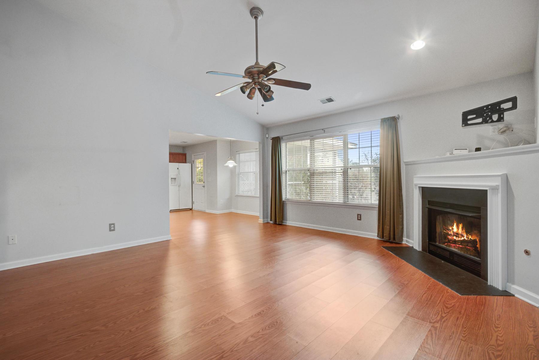 Grand Oaks Plantation Homes For Sale - 564 Hainesworth, Charleston, SC - 10