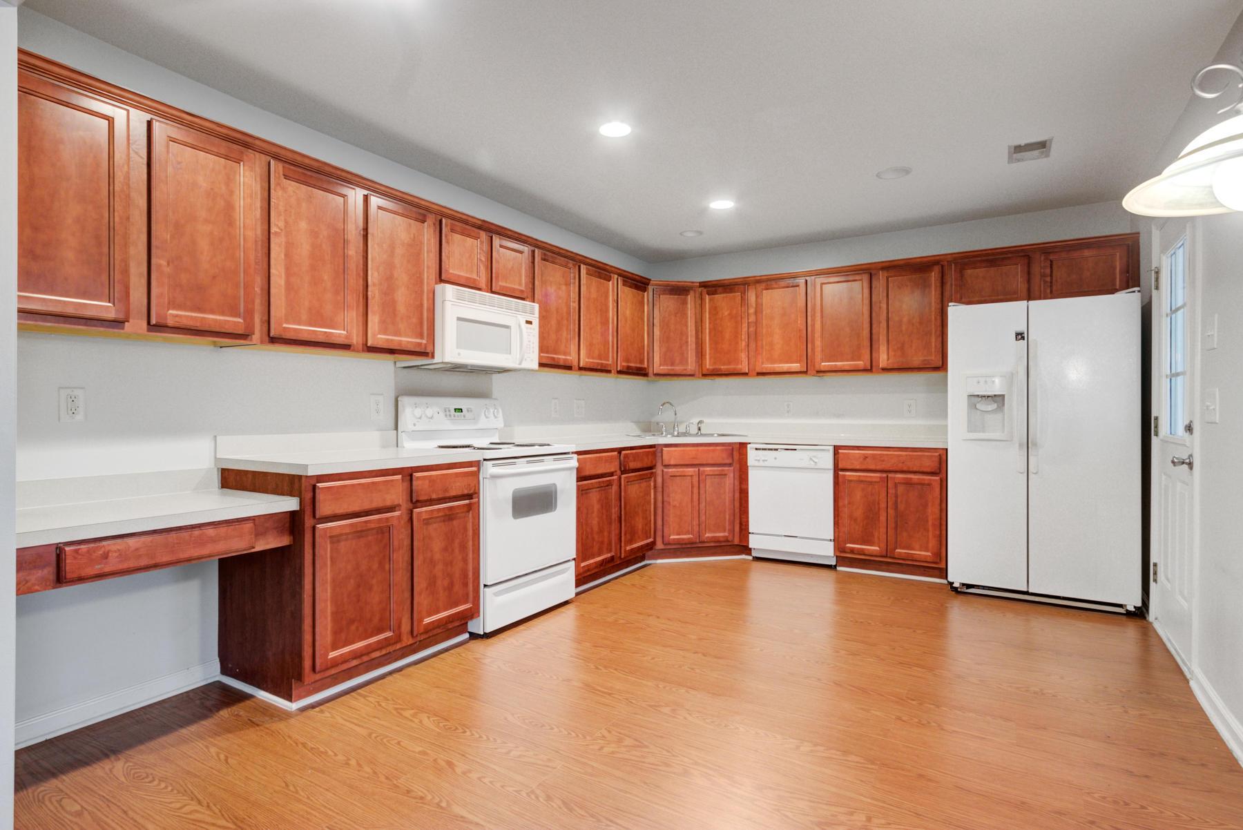 Grand Oaks Plantation Homes For Sale - 564 Hainesworth, Charleston, SC - 9