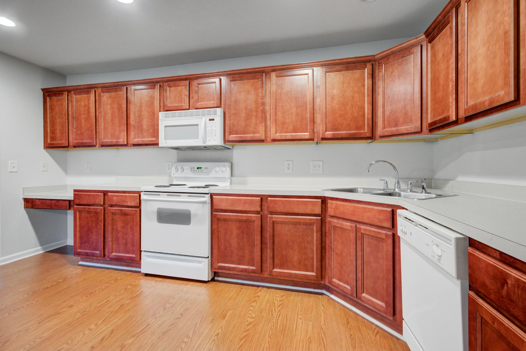 Grand Oaks Plantation Homes For Sale - 564 Hainesworth, Charleston, SC - 3