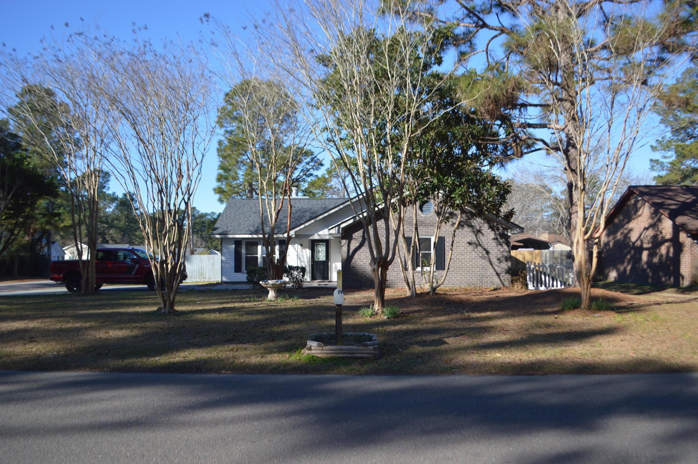 208 Four Iron Drive Summerville, SC 29483