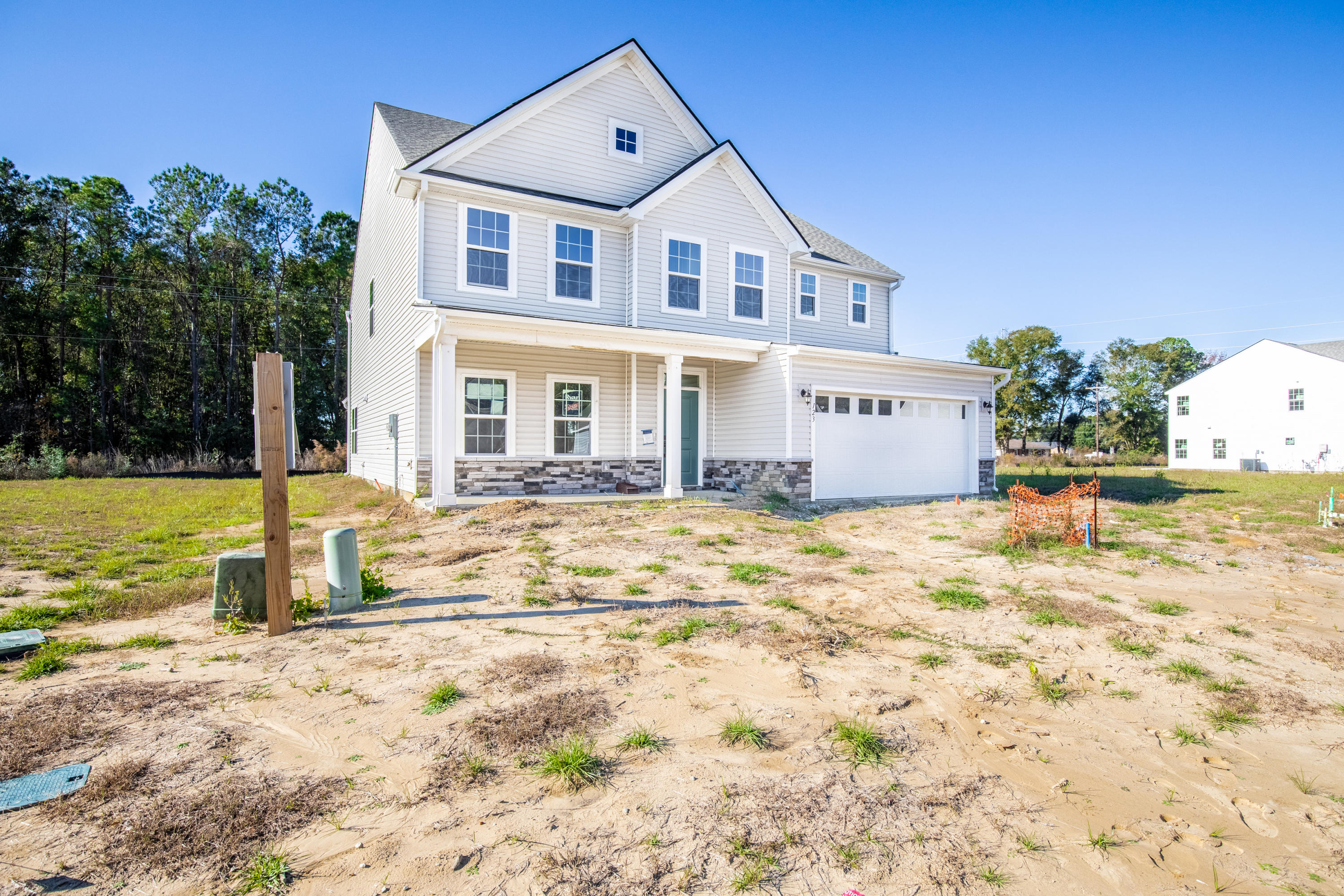 123 Country Oaks Lane Wando, SC 29492