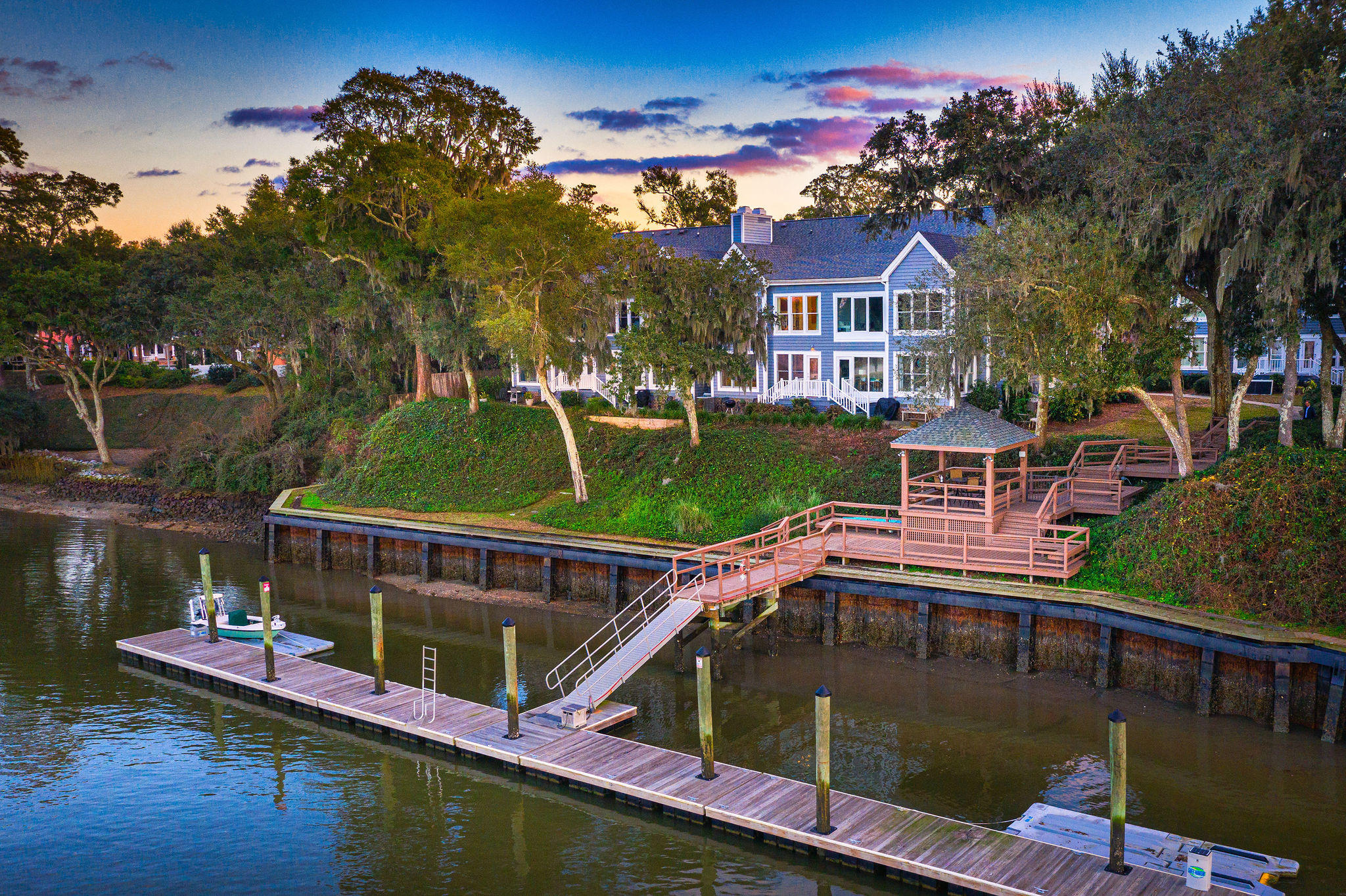 Waterfront Plantation Homes For Sale - 110 Waterfront Plantation, Charleston, SC - 51