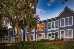 110 Waterfront Plantation Drive, Charleston, SC 29412
