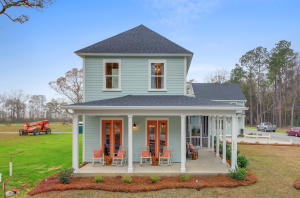 model home for sale! Can close quickly