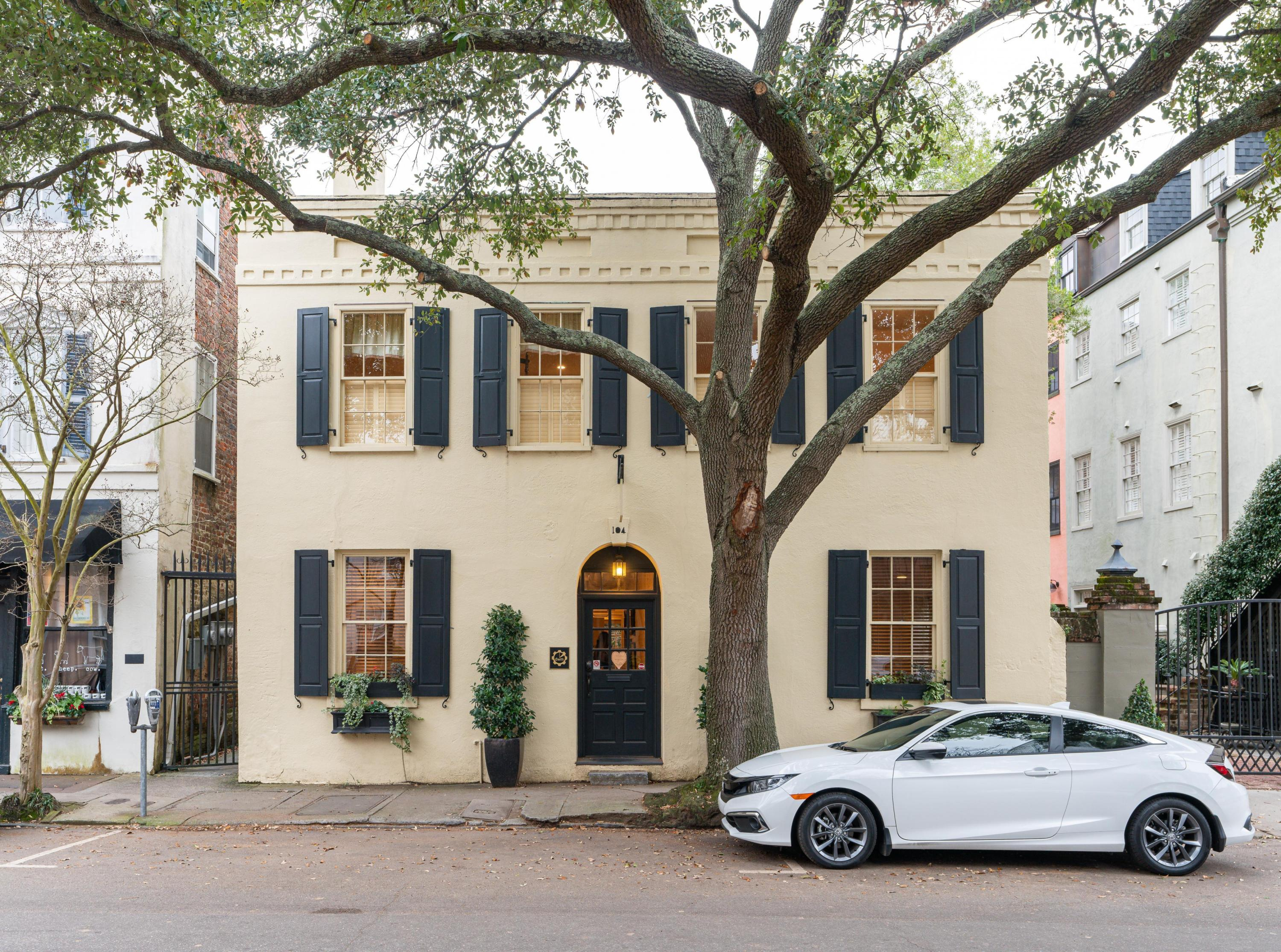 104 Church Street Charleston, SC 29401