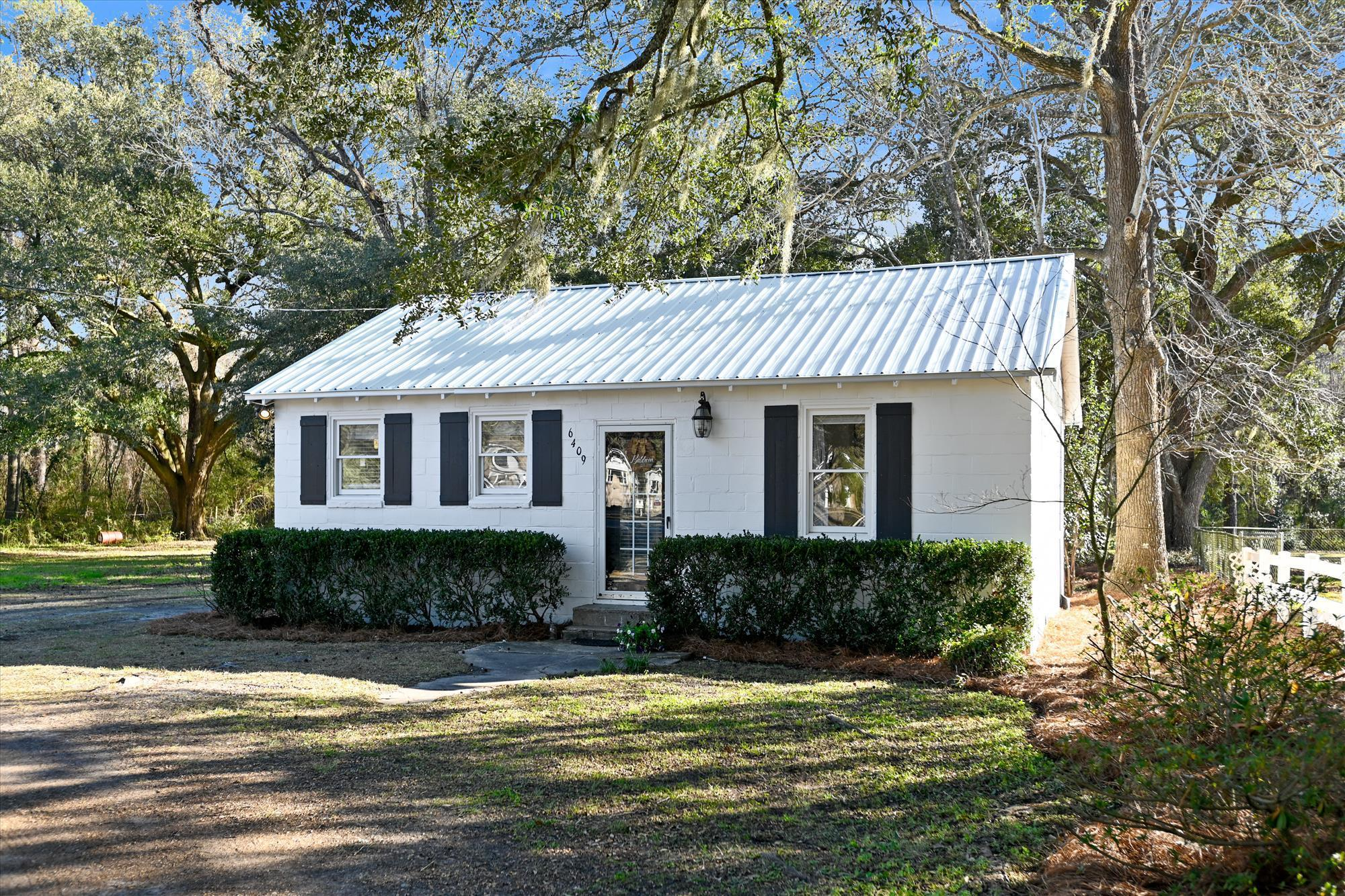 6409 Highway Hollywood, SC 29449