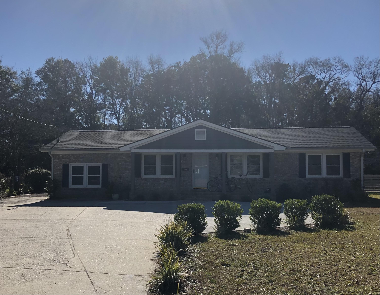 1390 Bluebird Drive Mount Pleasant, SC 29464