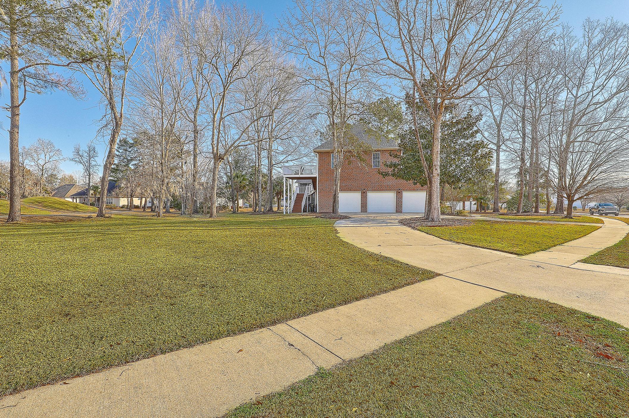 102 Welchman Avenue Goose Creek, SC 29445