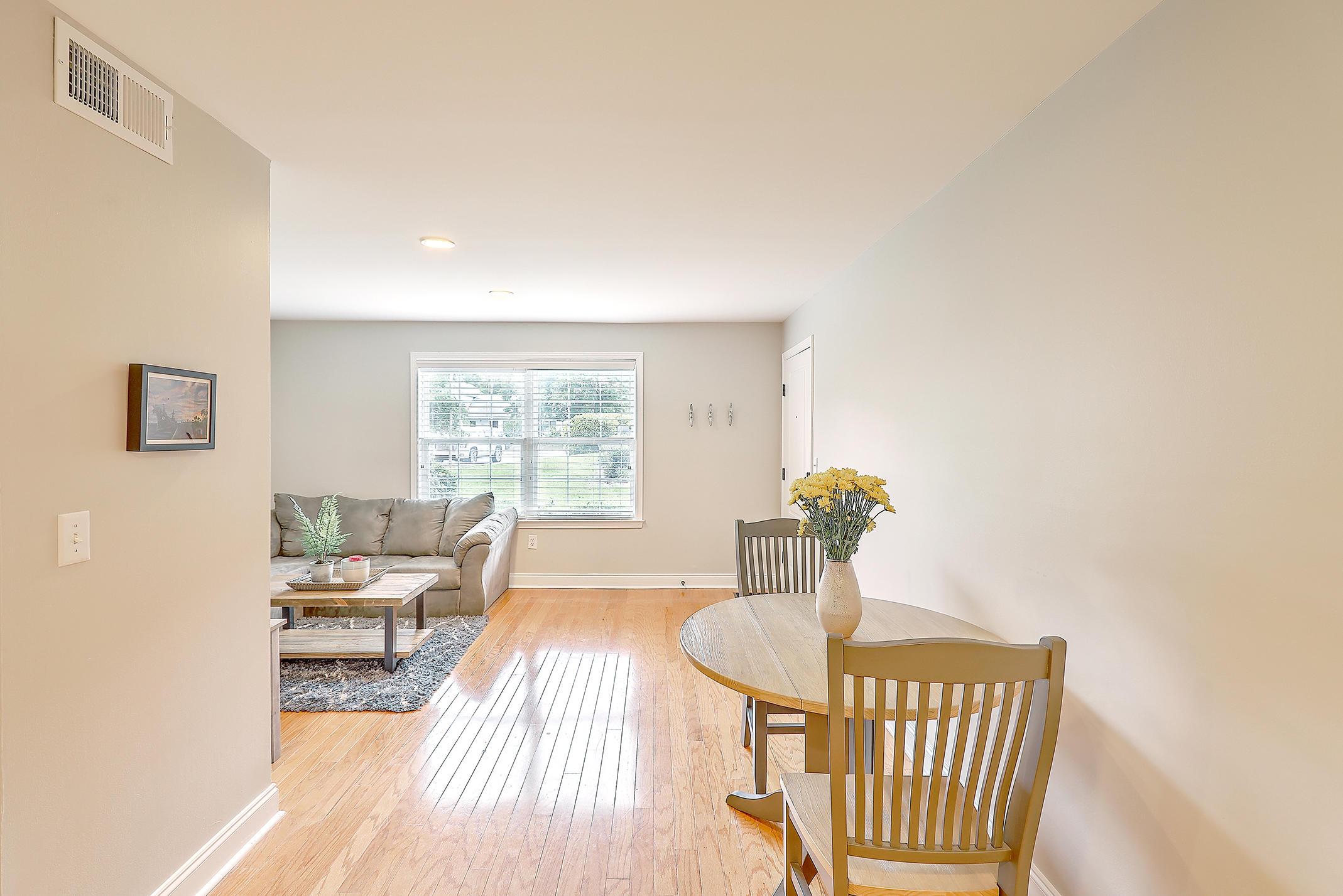 Village Oaks of Mt Pleasant Homes For Sale - 1240 Fairmont, Mount Pleasant, SC - 1