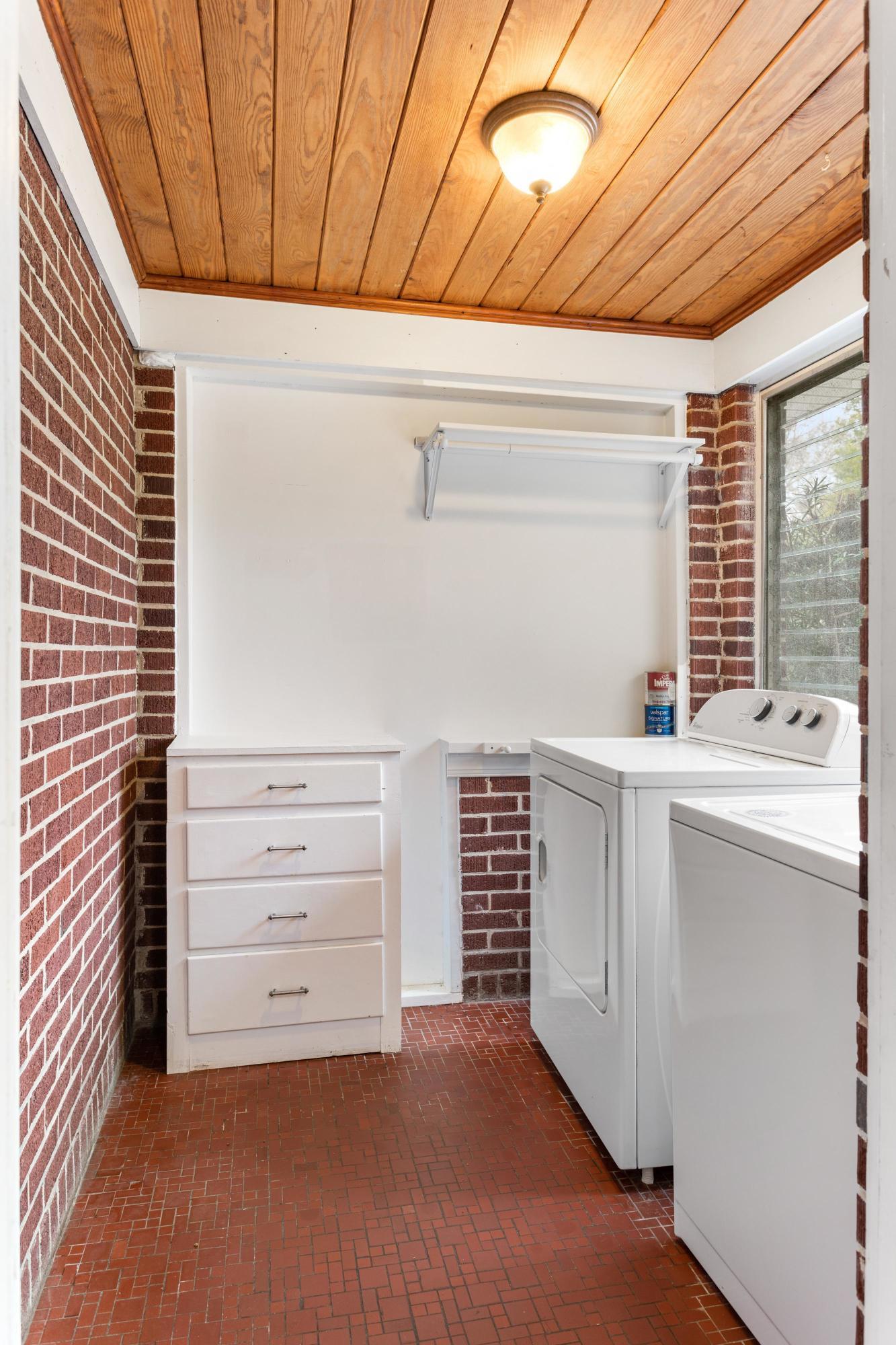 Dogwood Park Homes For Sale - 437 Cheves, Charleston, SC - 18