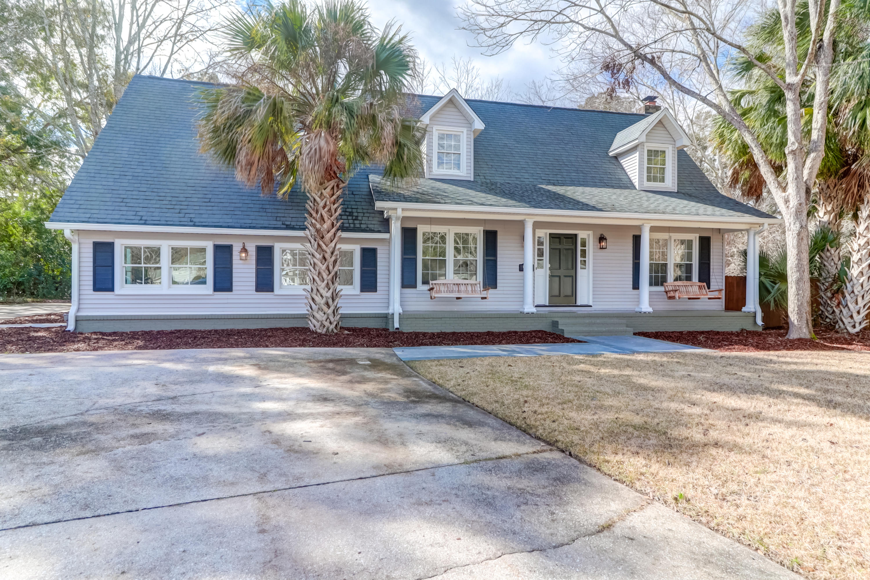 933 Trowman Lane Mount Pleasant, SC 29464