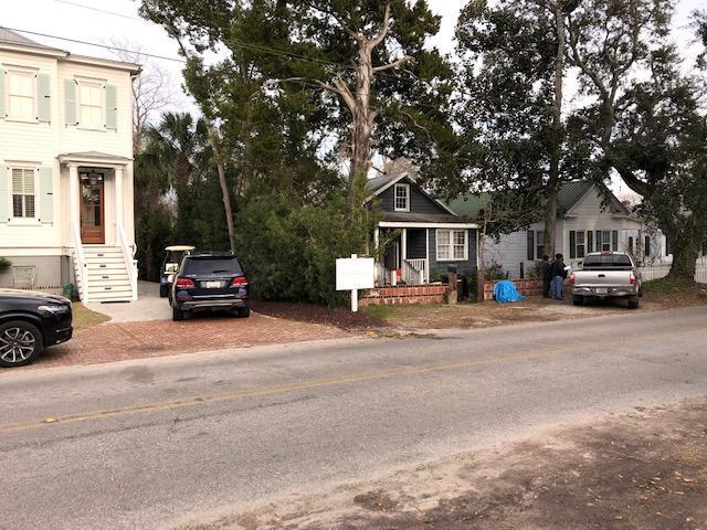 918 Pitt Street Mount Pleasant, SC 29464