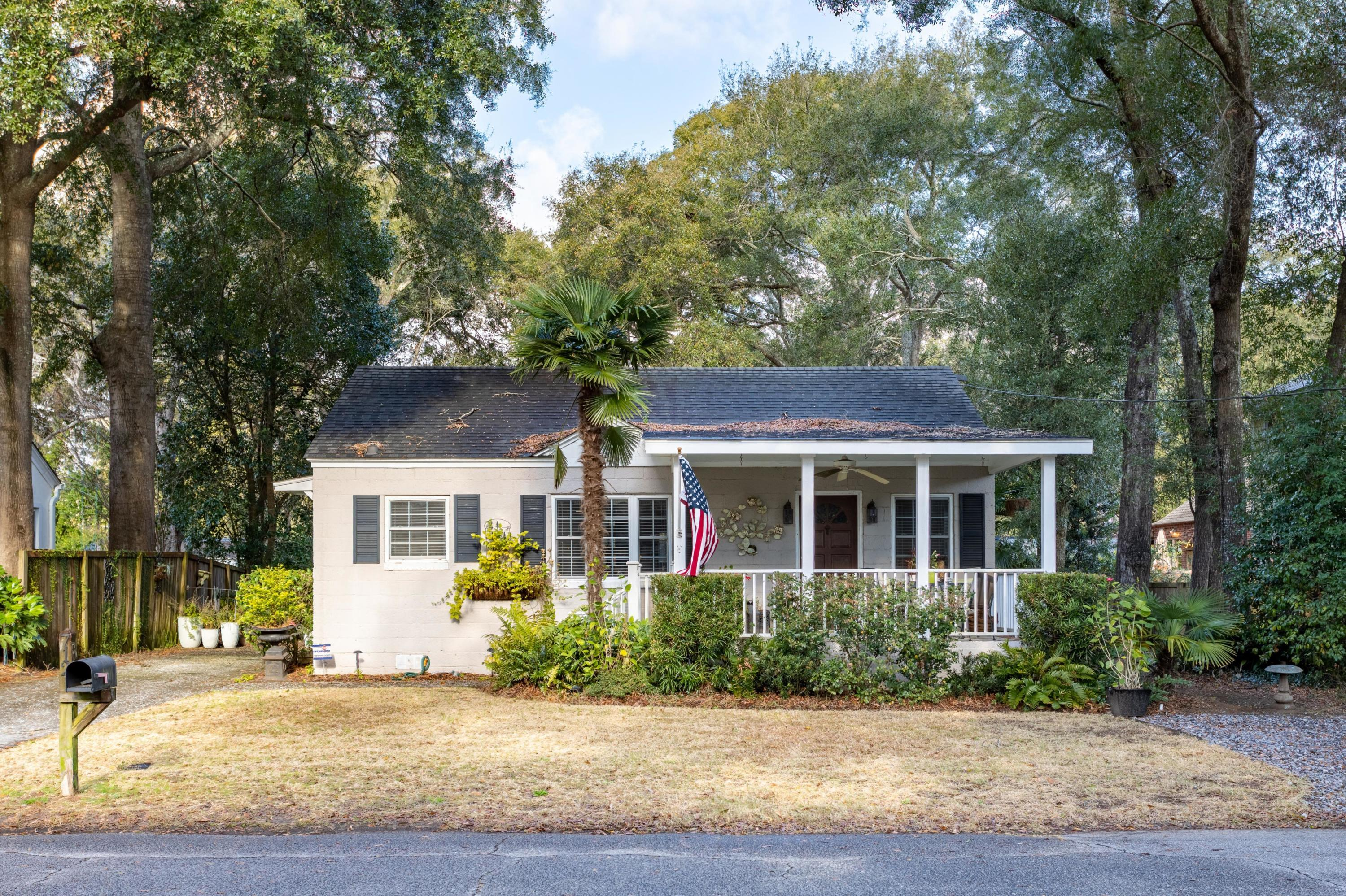 712 Atlantic Street Mount Pleasant, SC 29464