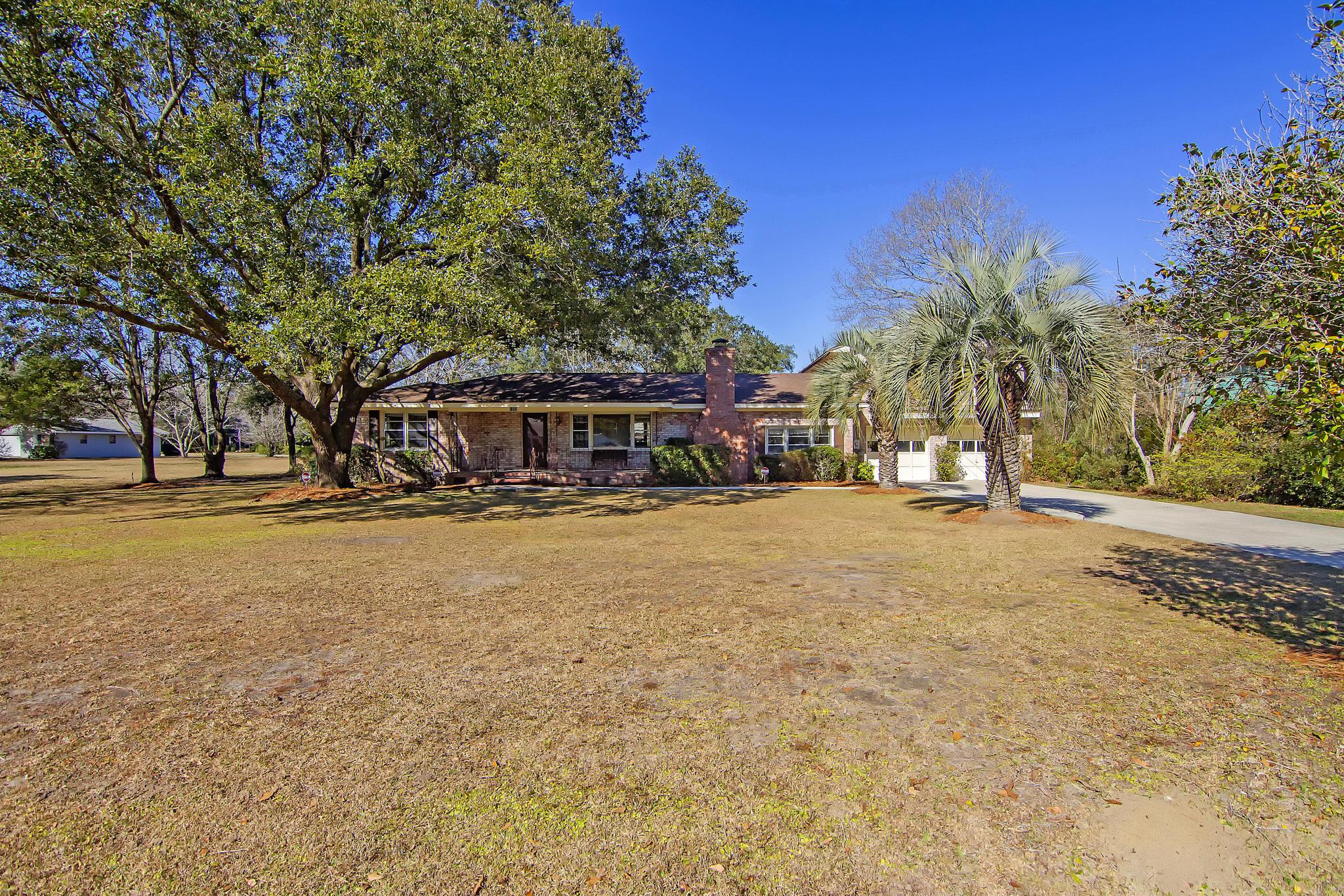 1422 N Edgewater Drive Charleston, SC 29407