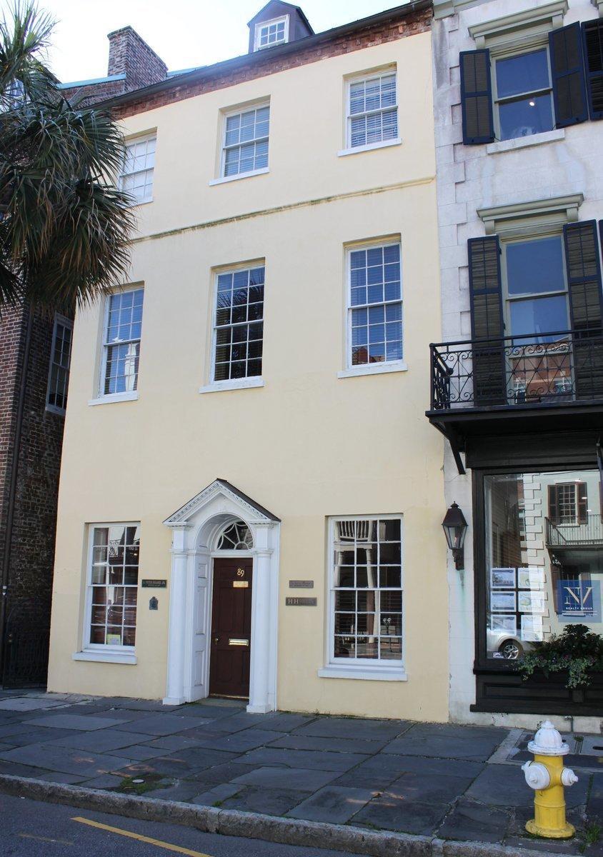 89 Broad Street Charleston, SC 29401
