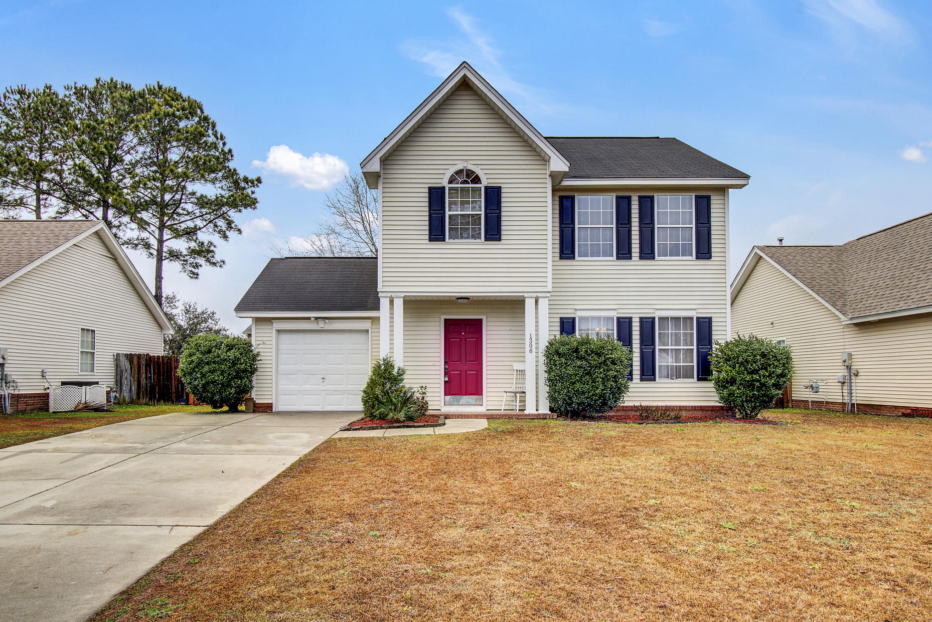 1306 Weavers Way Hanahan, SC 29410