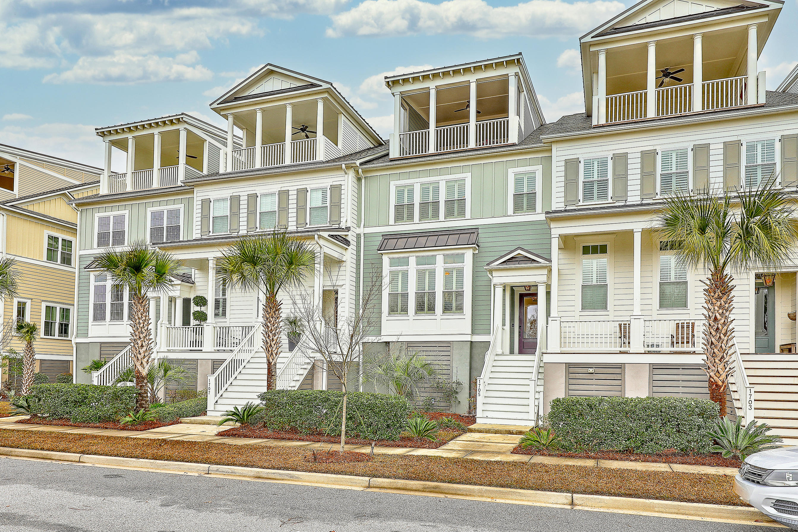 1705 Frissel Street Charleston, SC 29492