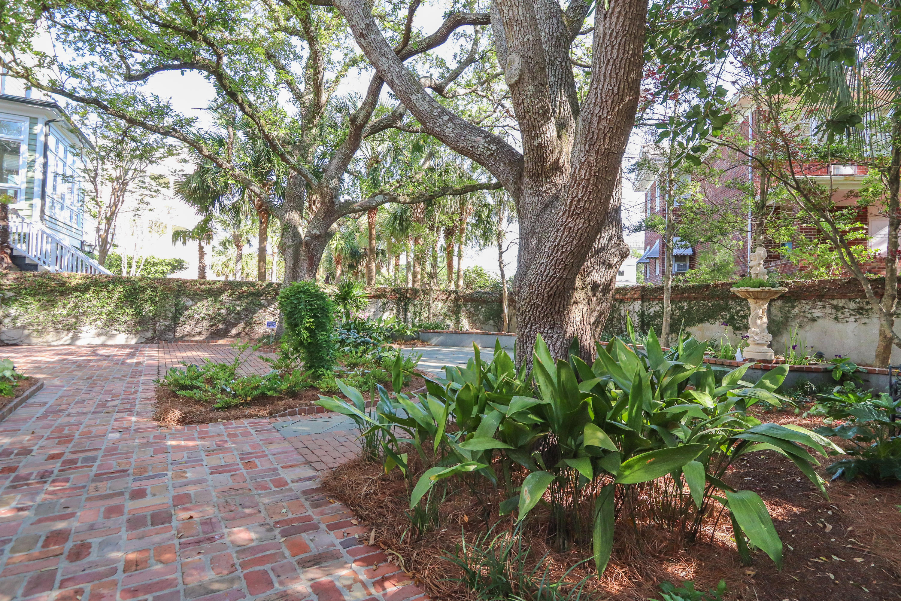 South of Broad Homes For Sale - 104 Murray, Charleston, SC - 19