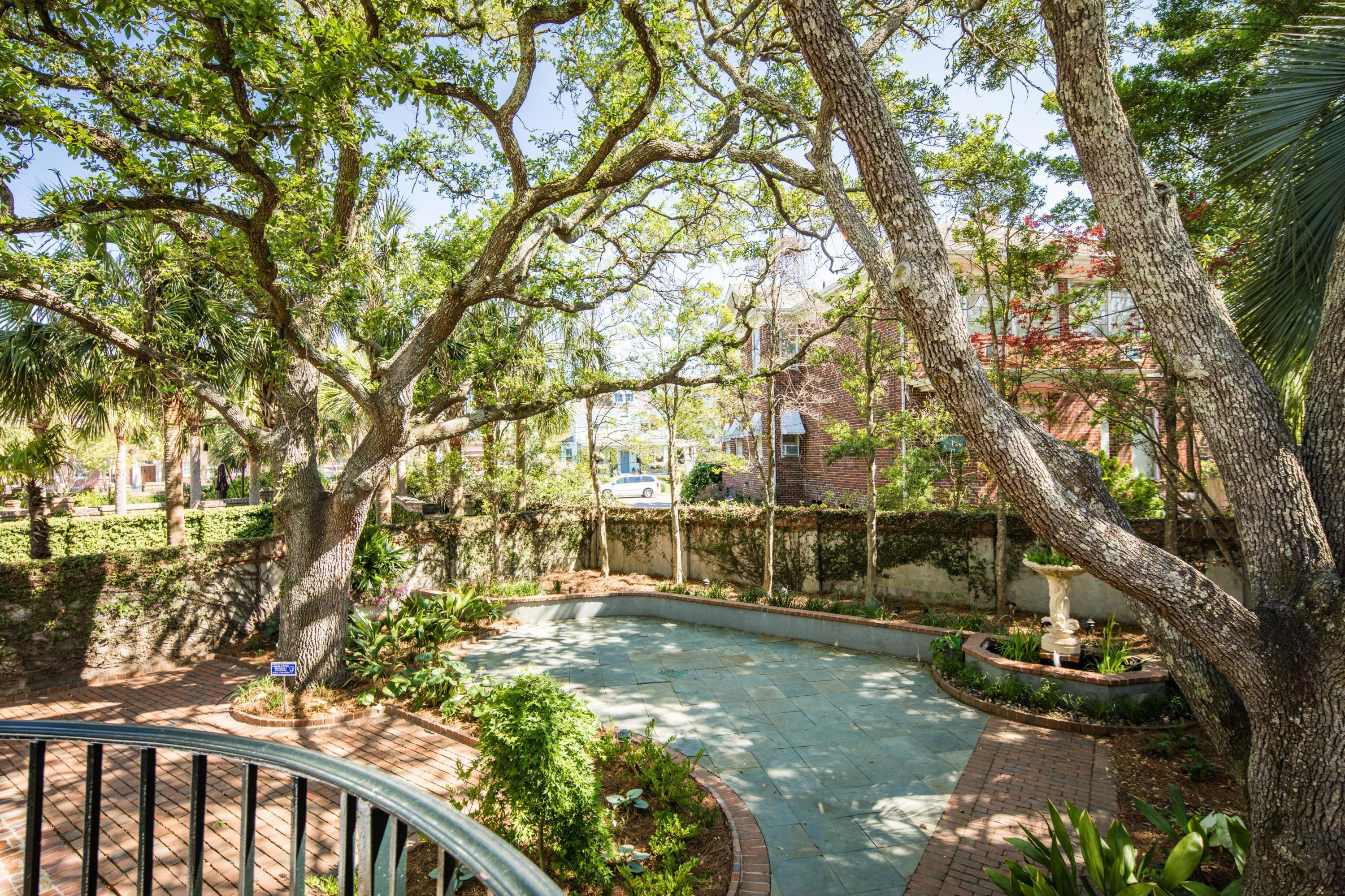 South of Broad Homes For Sale - 104 Murray, Charleston, SC - 20