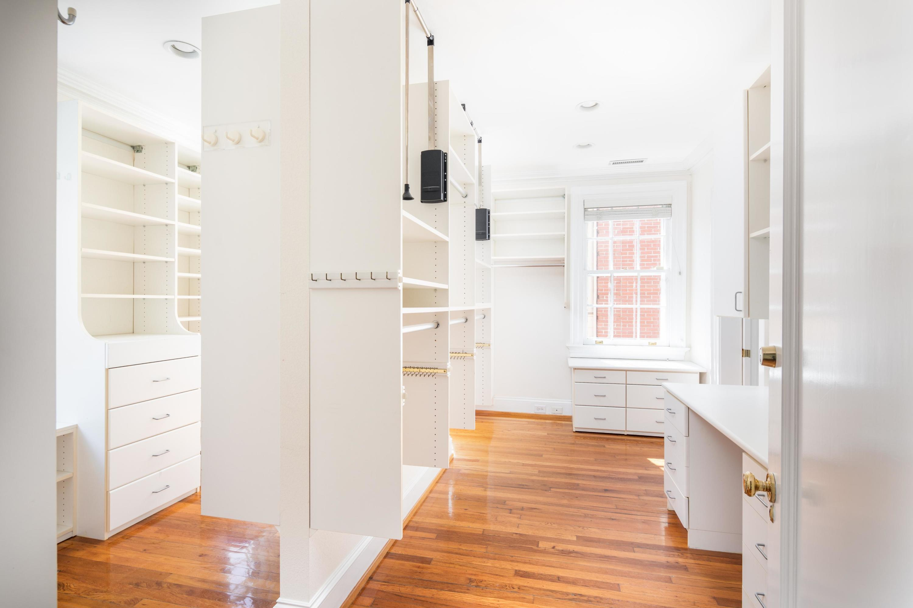 South of Broad Homes For Sale - 104 Murray, Charleston, SC - 7