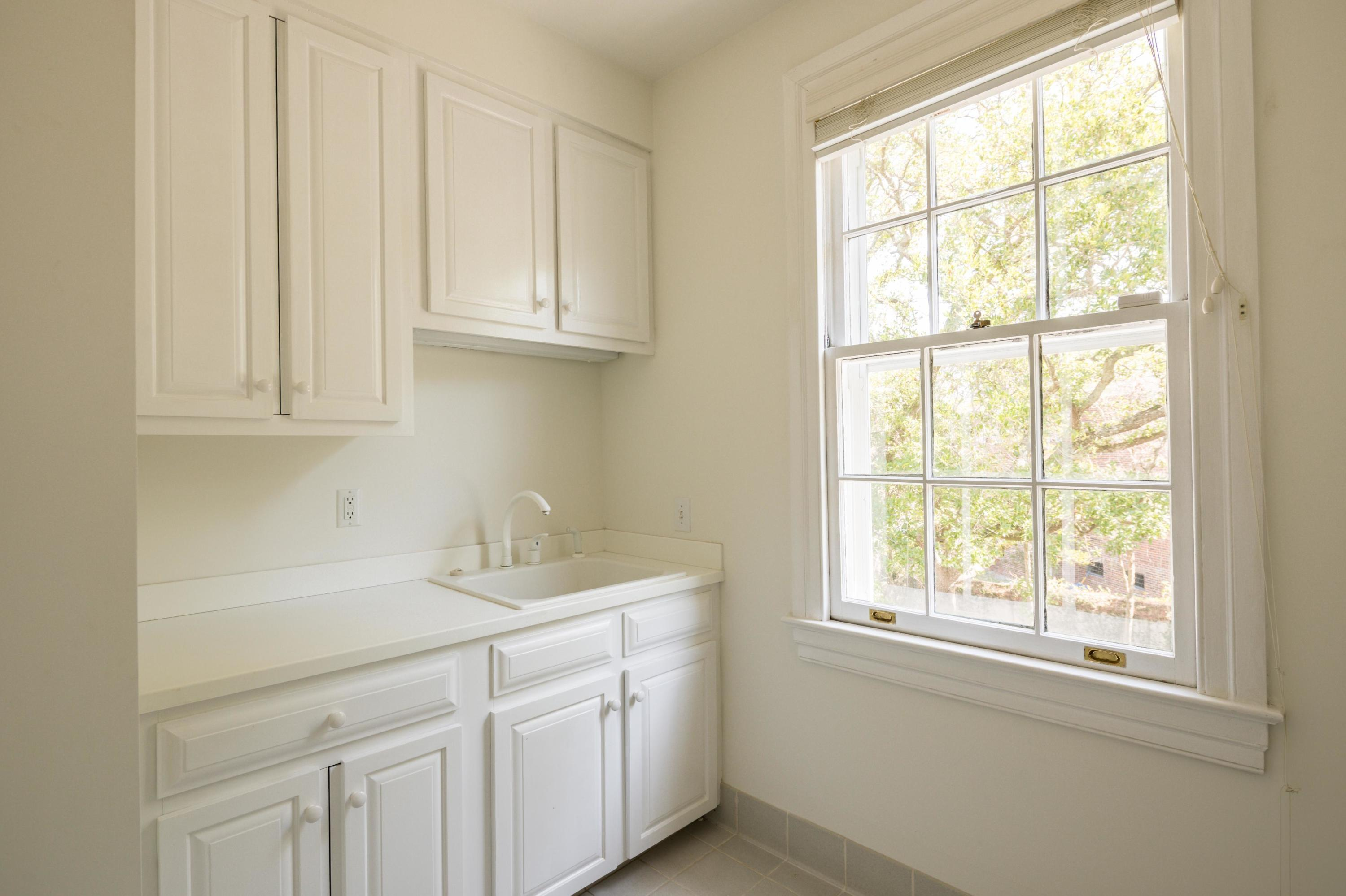South of Broad Homes For Sale - 104 Murray, Charleston, SC - 12