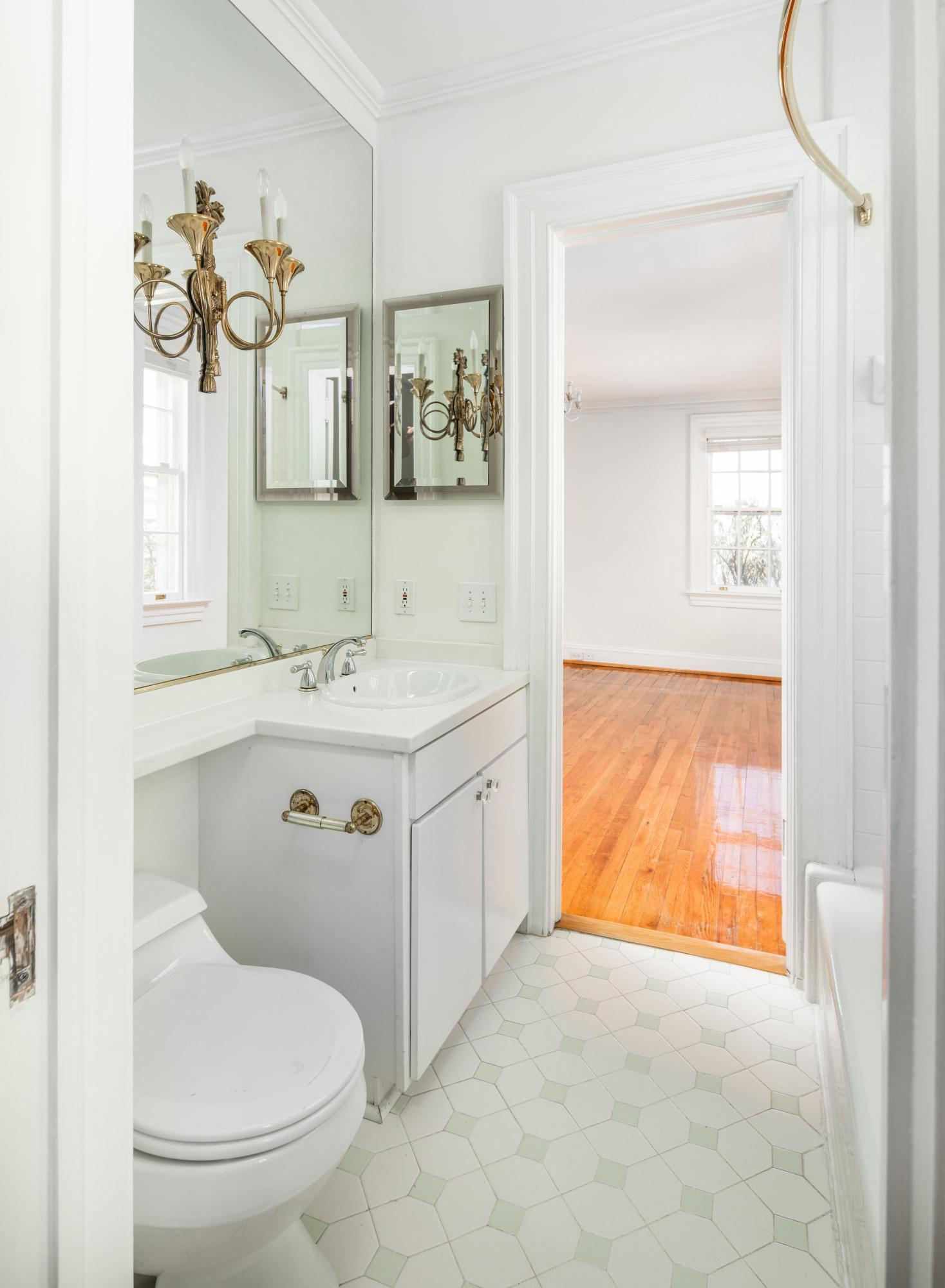 South of Broad Homes For Sale - 104 Murray, Charleston, SC - 10