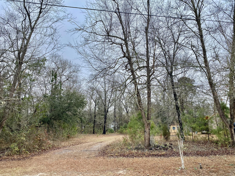 102 Chapel Hill Drive Bonneau, SC 29431