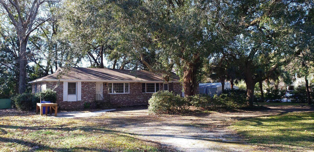 2235 Woodland Shores Road Charleston, SC 29412