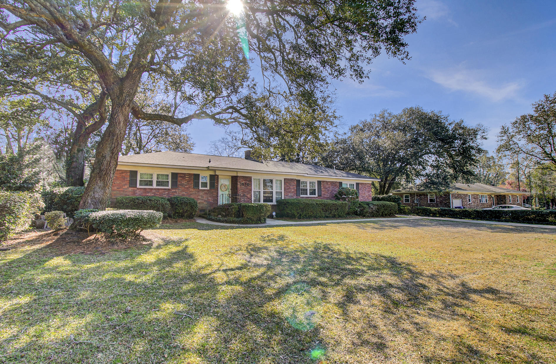 1616 Holton Place Charleston, SC 29407