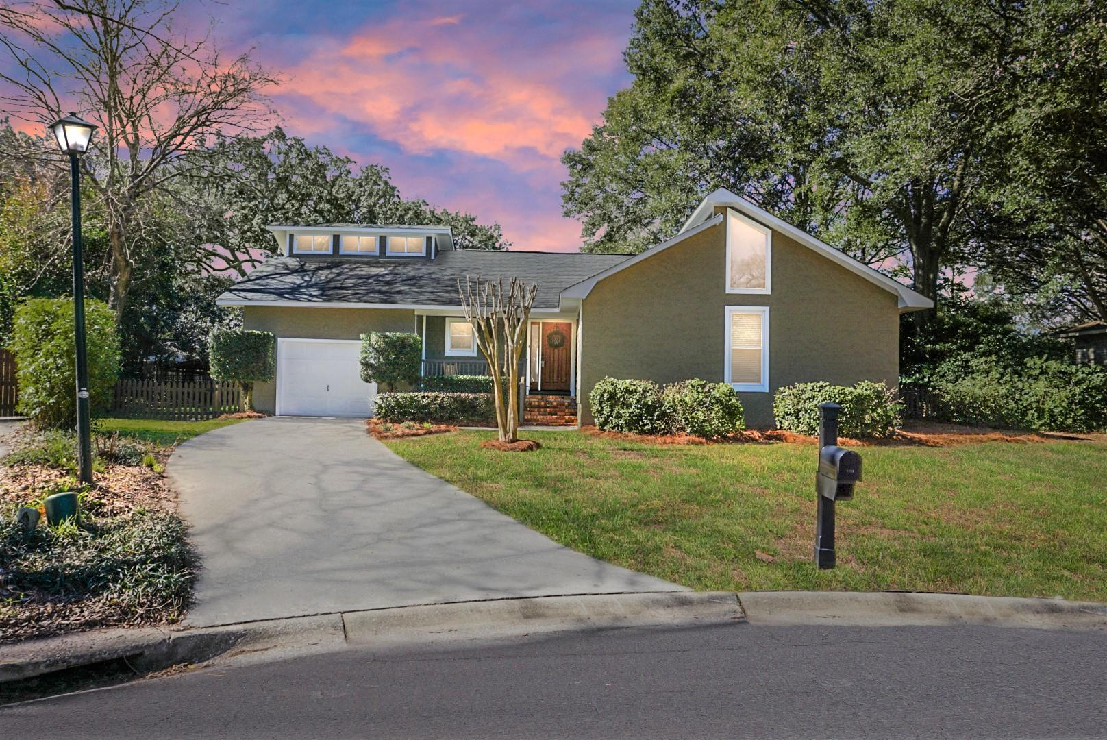 1194 Main Canal Drive Mount Pleasant, SC 29464