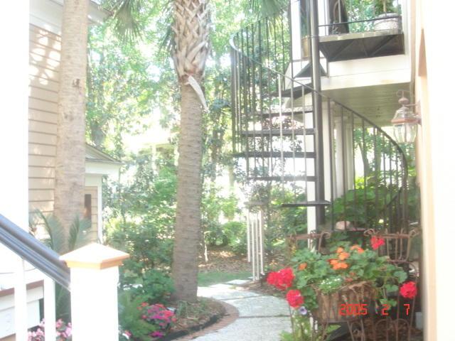 38 Saturday Road Mount Pleasant, SC 29464