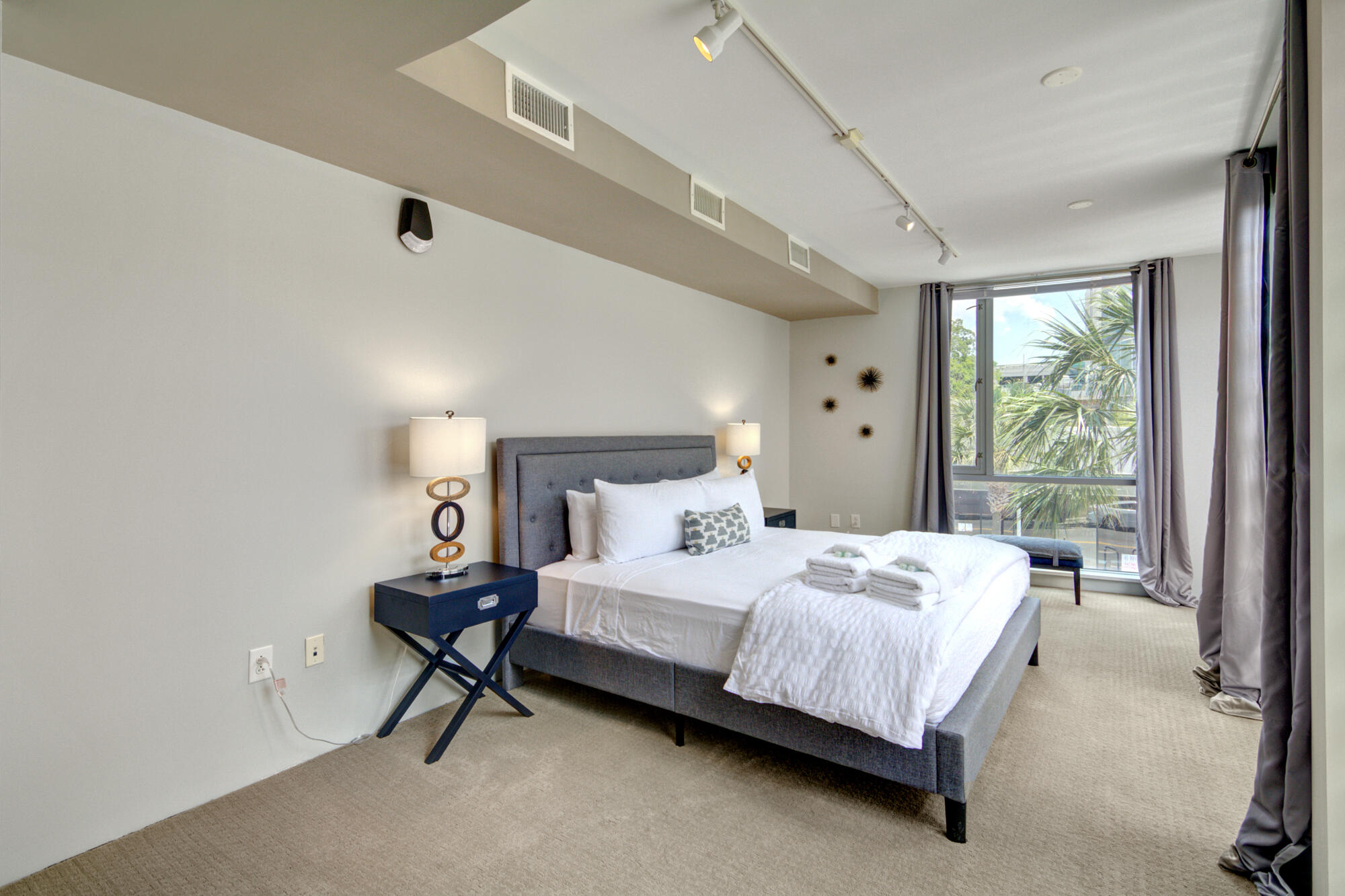 Homes For Sale - 487 King, Charleston, SC - 12