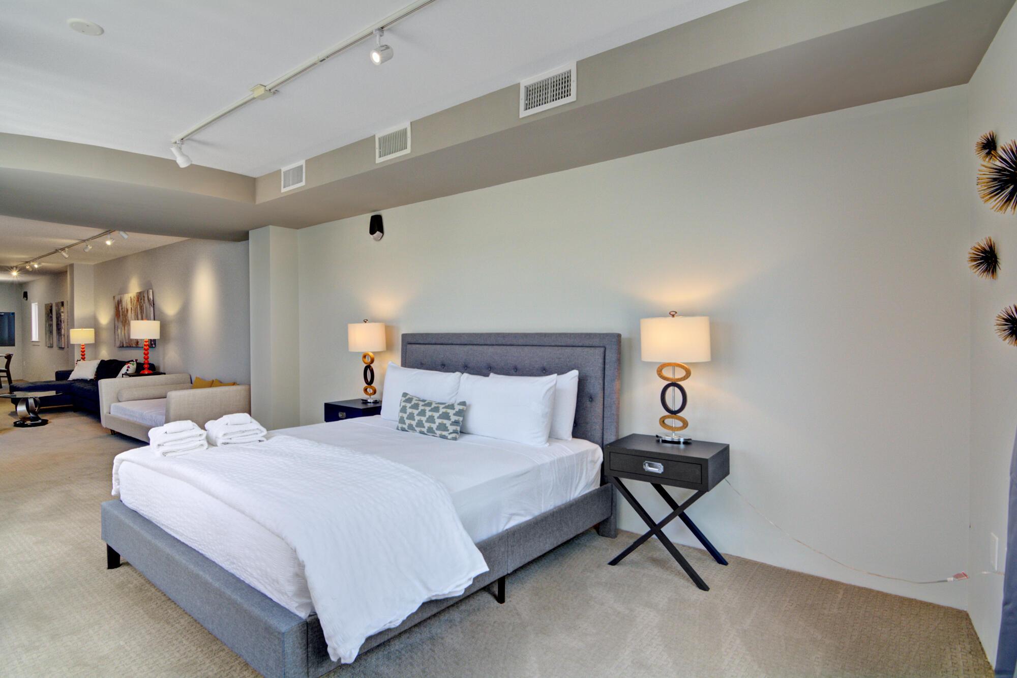 Homes For Sale - 487 King, Charleston, SC - 13